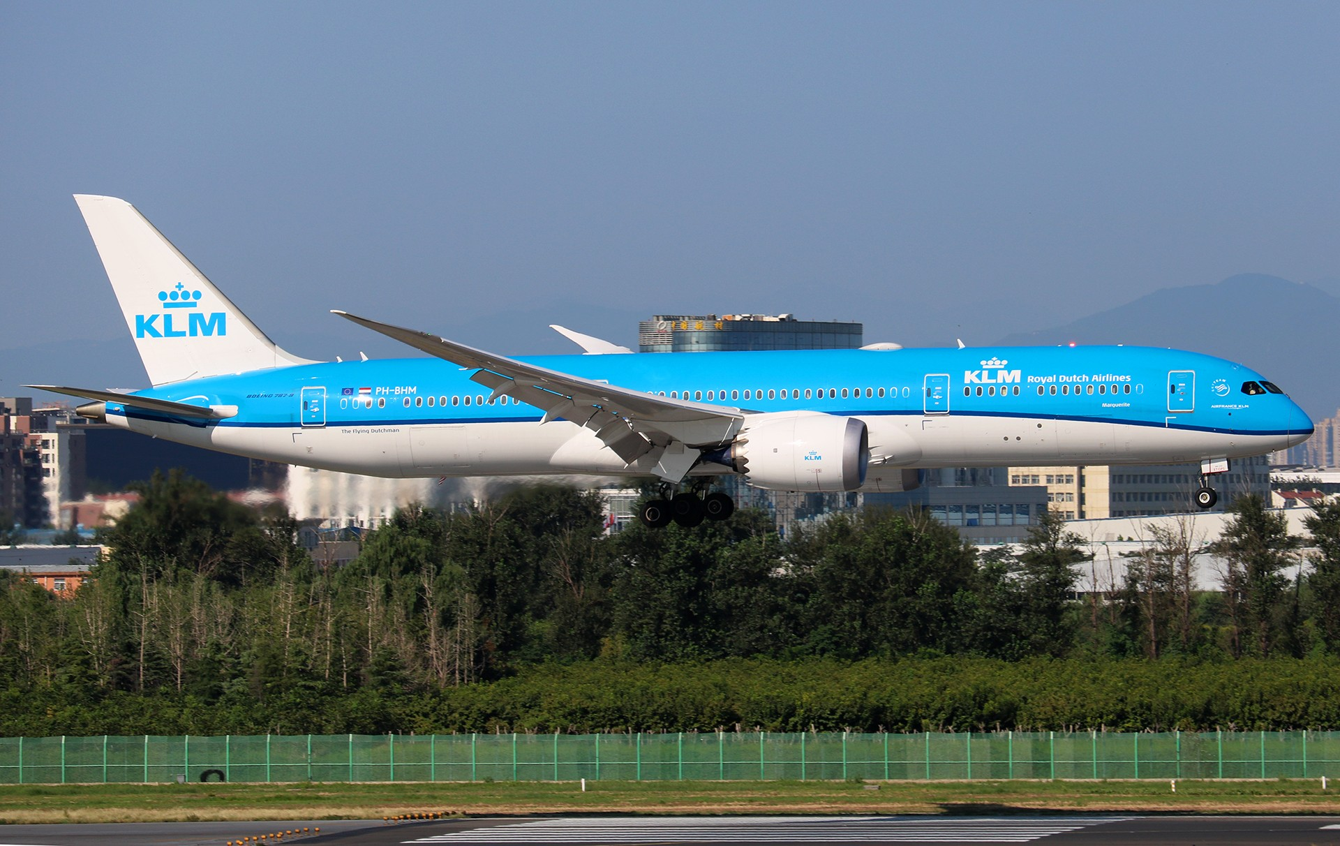 Re:[原创]LIULIU|【PEK】36L降落一组Ⅴ|城市背景下的进近 BOEING 787-9 PH-BHM 中国北京首都国际机场