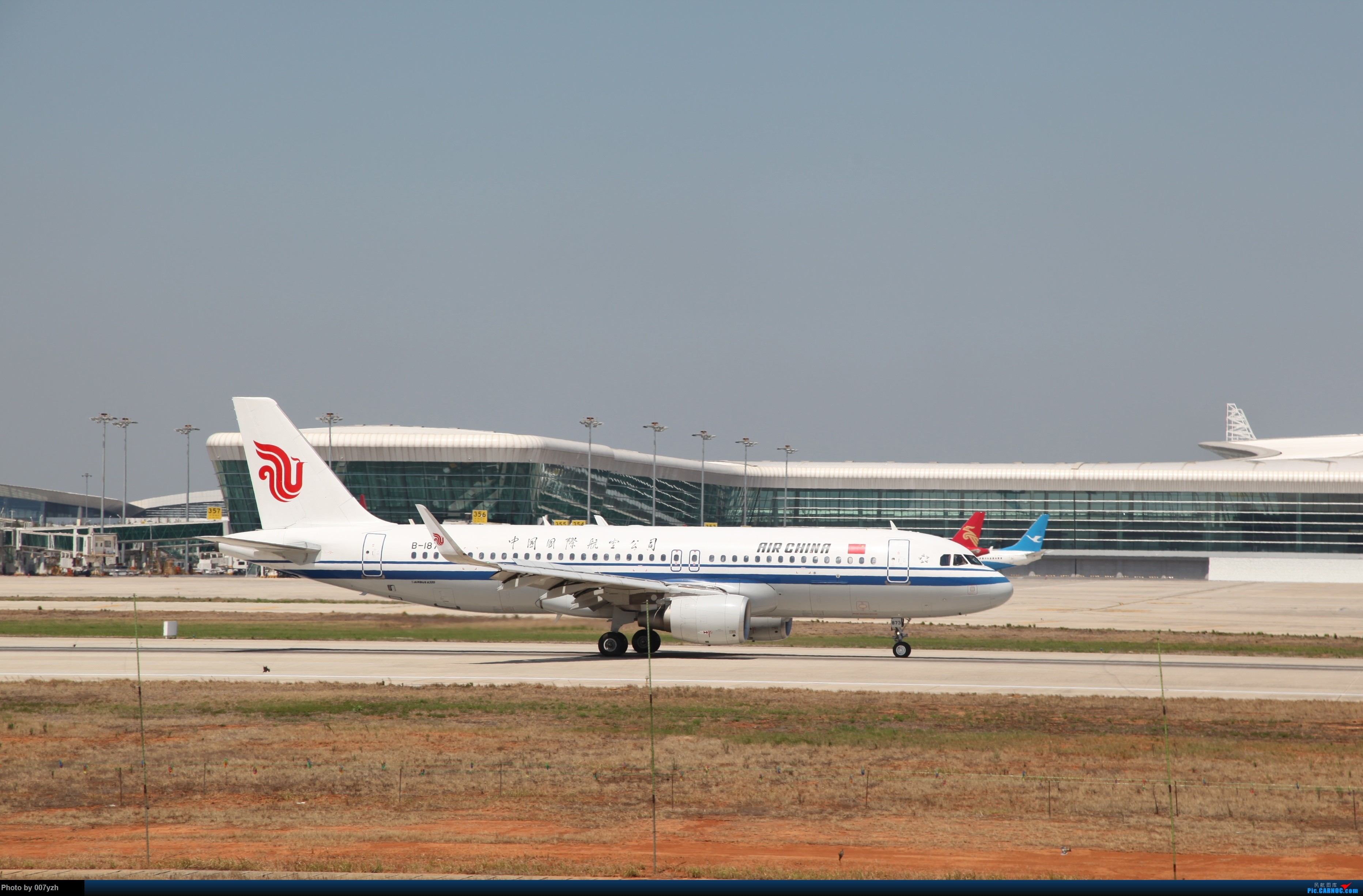 Re:[原创]奔着南航789来的武汉04R跑道拍机 AIRBUS A320-200 B-1873 中国武汉天河国际机场