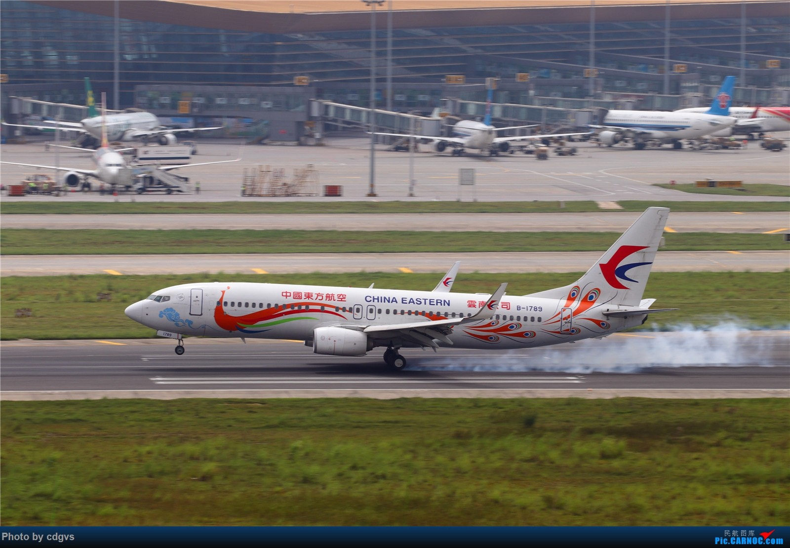 Re:[原创]【KMG】长水机场一组 1600大图 BOEING 737-800 B-1789 中国昆明长水国际机场