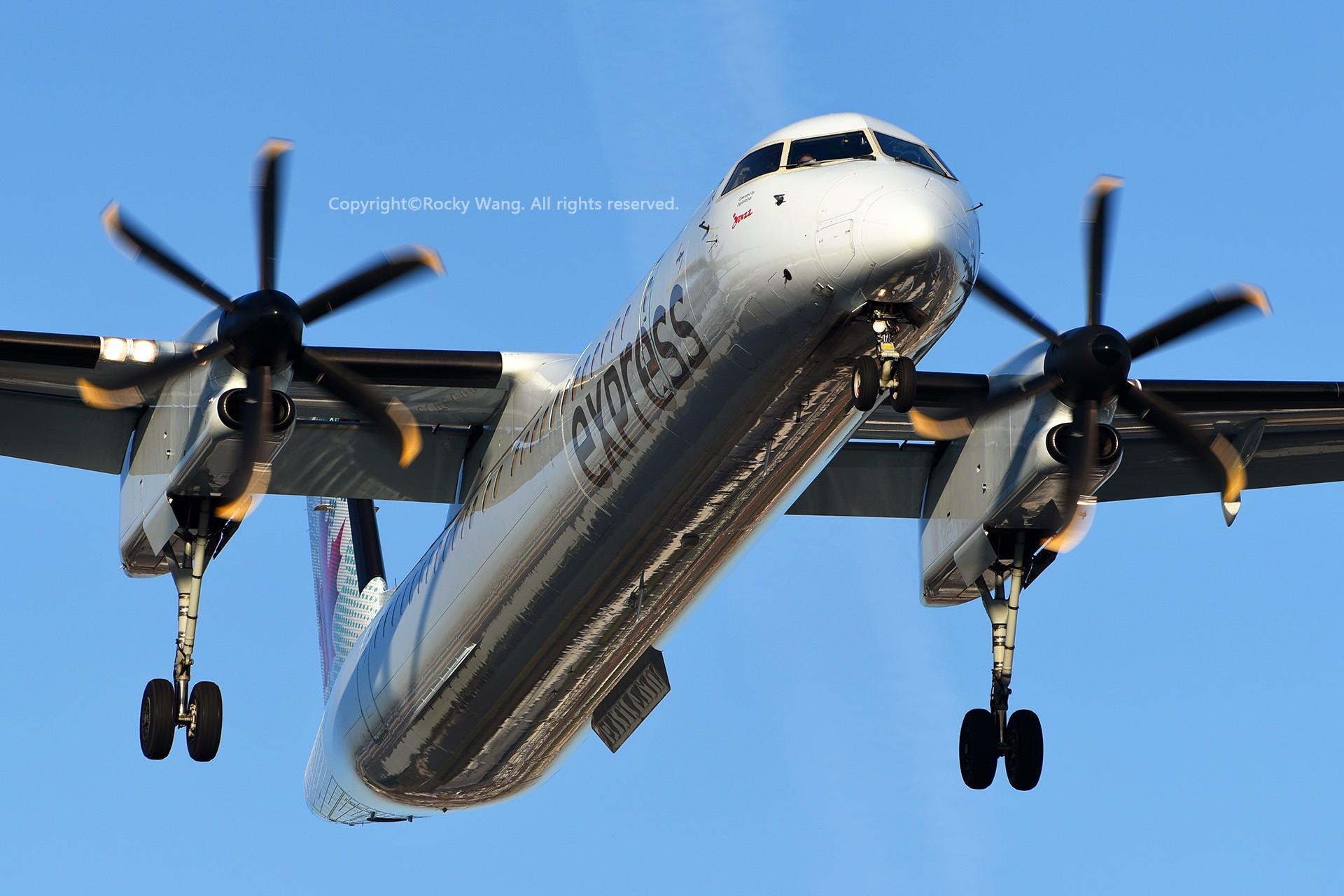 Re:[原创]CYYZ 30图 BOMBARDIER DASH 8-Q402 C-GSJZ Toronto Lester B. Pearson Int'l Airport