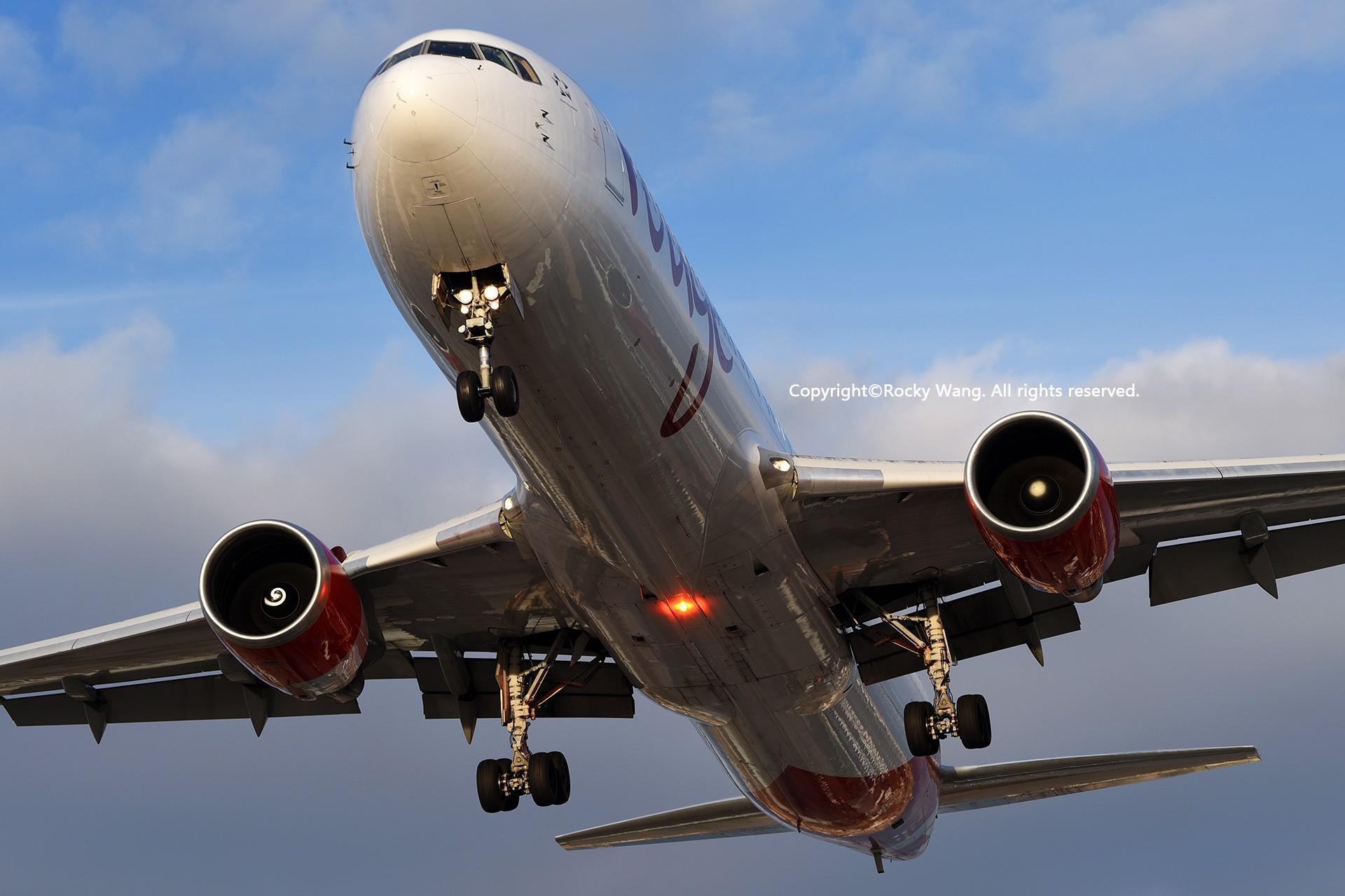 Re:[原创]CYYZ 30图 BOEING 767-35H(ER) C-GHLA Toronto Lester B. Pearson Int'l Airport