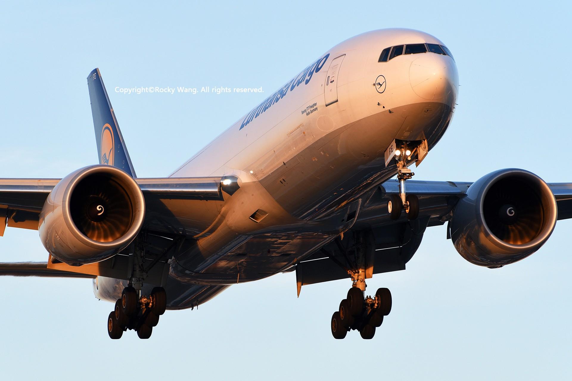 Re:[原创]CYYZ 30图 BOEING 777-FBT D-ALFE Toronto Lester B. Pearson Int'l Airport