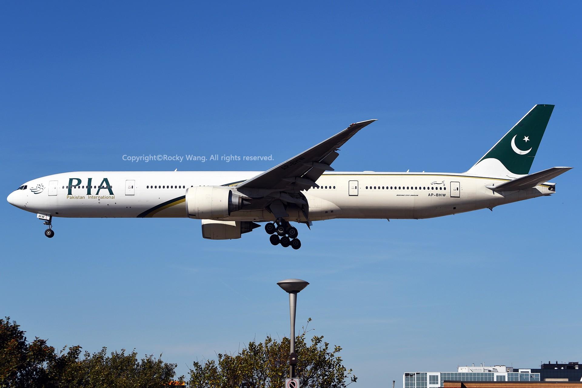 Re:[原创]CYYZ 30图 BOEING 777-340ER AP-BHW Toronto Lester B. Pearson Int'l Airport