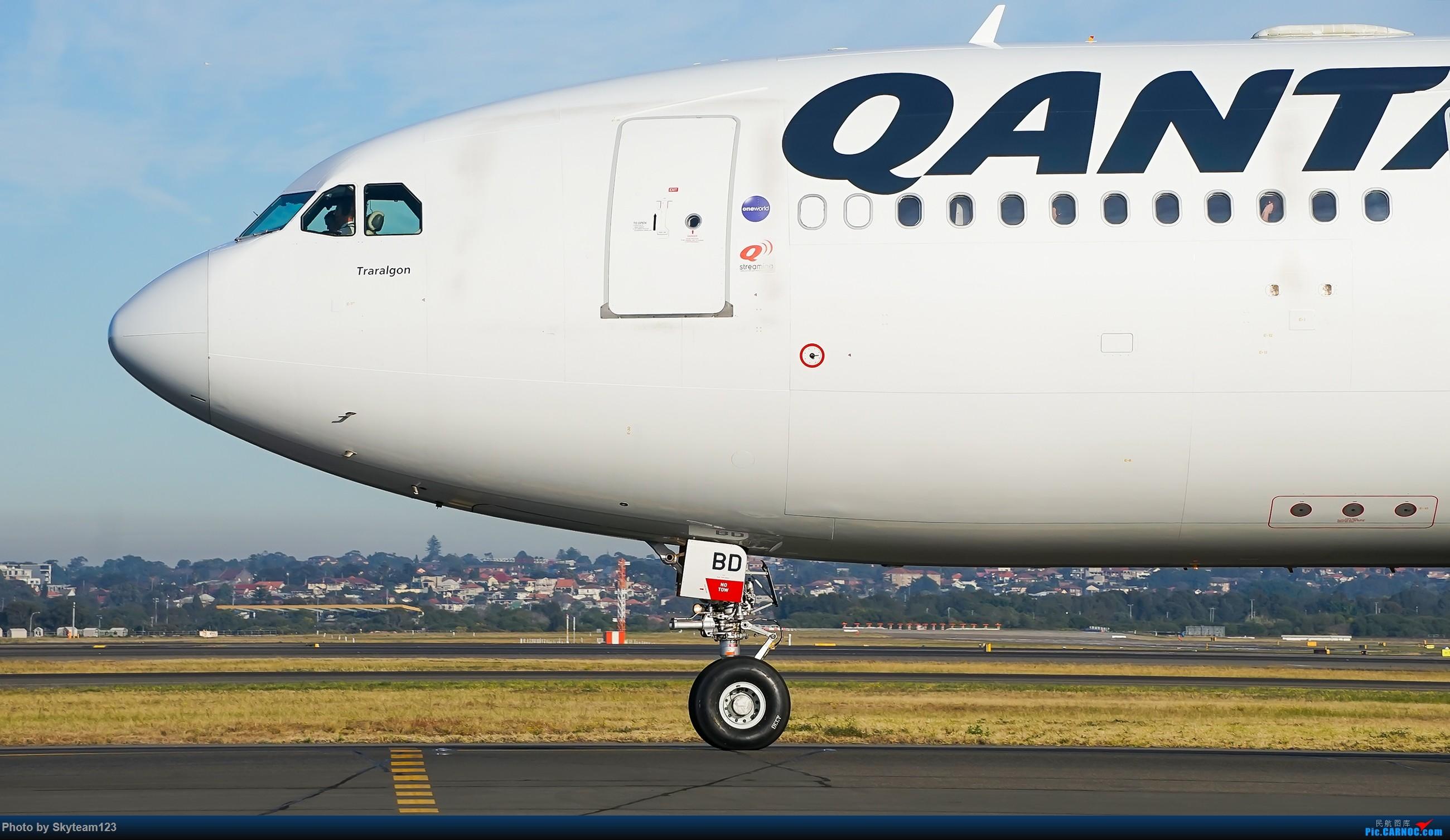 Re:[原创][SYD] 再访Blu EMU停车场 早上34L抵港出发杂图几张 AIRBUS A330-200 VH-EBD 澳大利亚悉尼金斯福德·史密斯机场