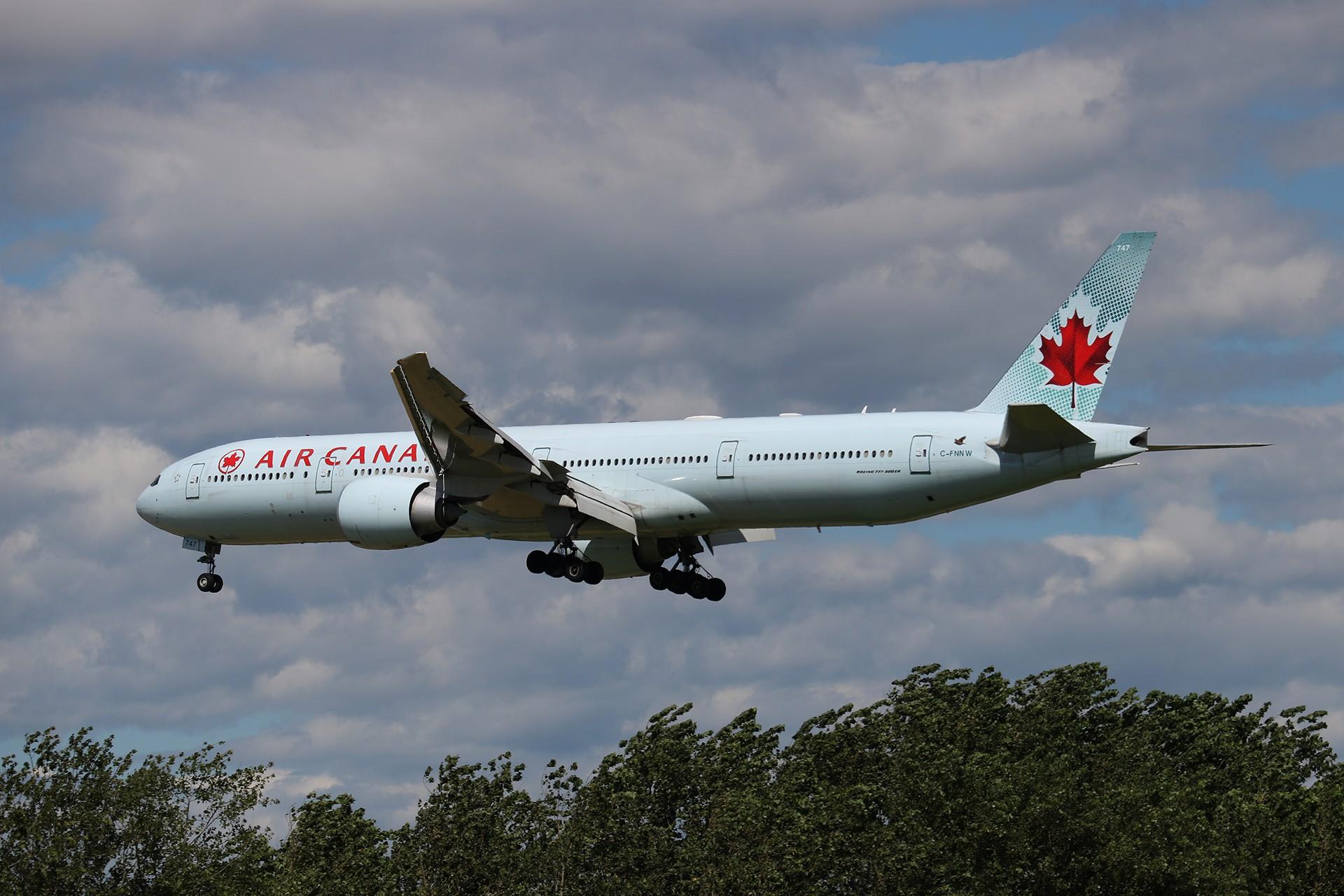 Re:[原创]LIULIU|【PEK 01】|好看的云Ⅲ|下午的那些北美线 BOEING 777-333ER C-FNNW 中国北京首都国际机场