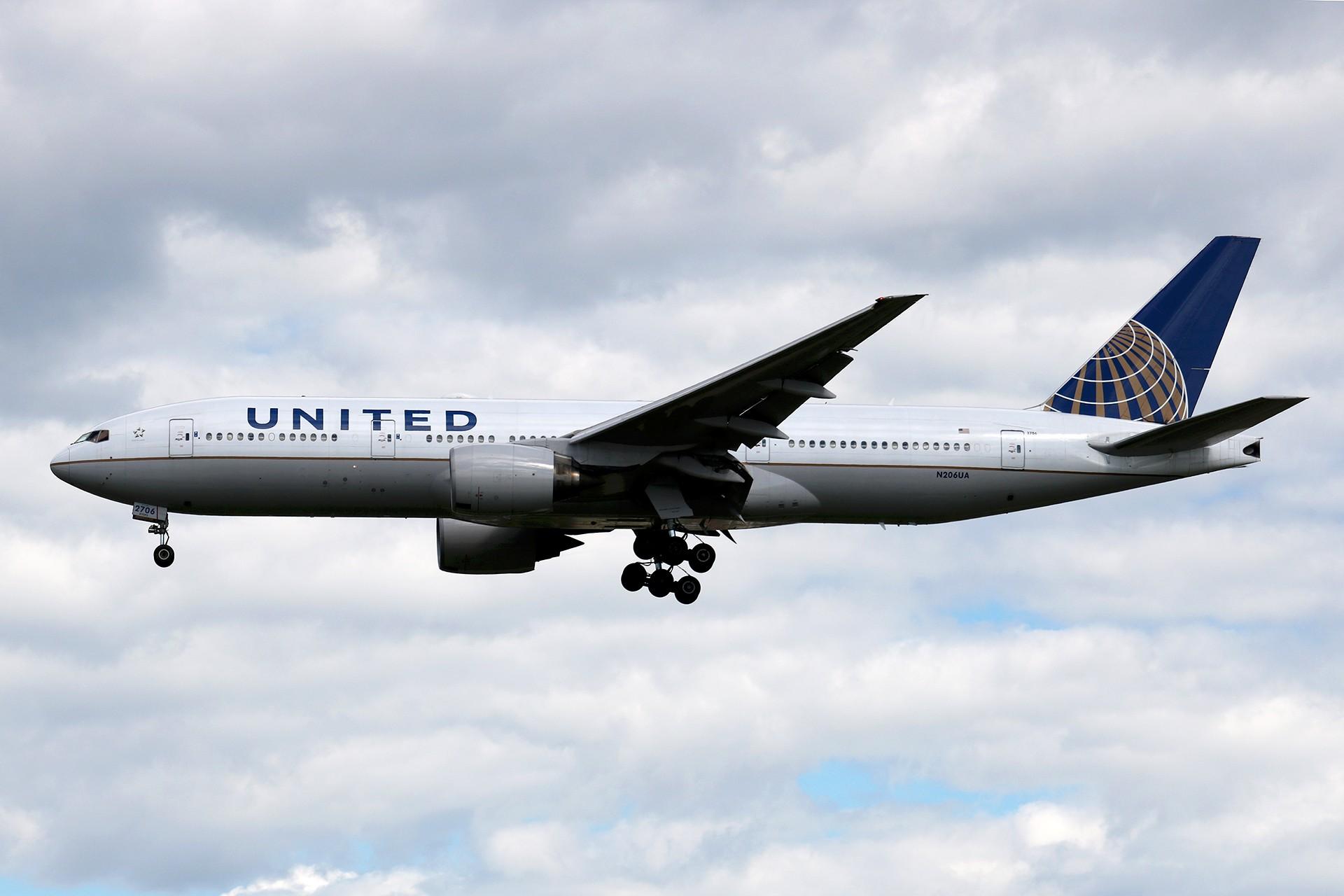 Re:[原创]LIULIU|【PEK 01】|好看的云Ⅲ|下午的那些北美线 BOEING 777-222(ER) N206UA 中国北京首都国际机场