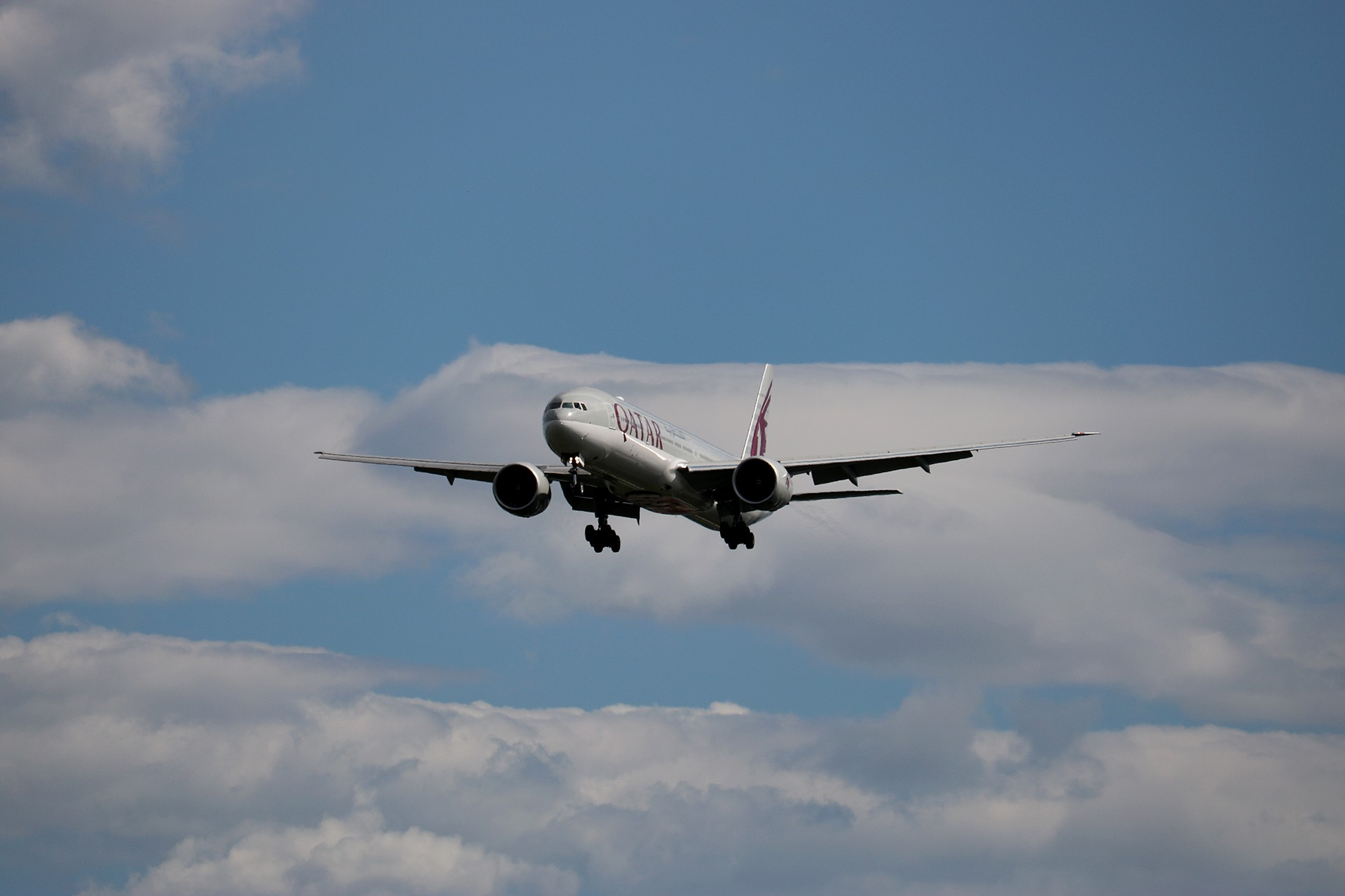 Re:[原创]LIULIU 【PEK 01】 好看的云Ⅳ 杂,很杂,是真的杂 BOEING 777-3DZER A7-BEJ 中国北京首都国际机场