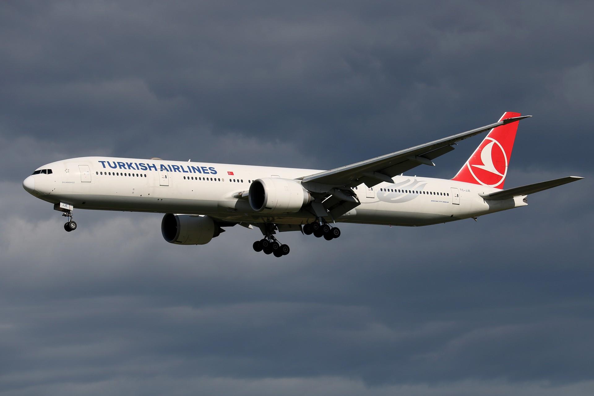 Re:[原创]LIULIU 【PEK 01】 好看的云Ⅳ 杂,很杂,是真的杂 BOEING 777-3F2ER TC-JJE 中国北京首都国际机场