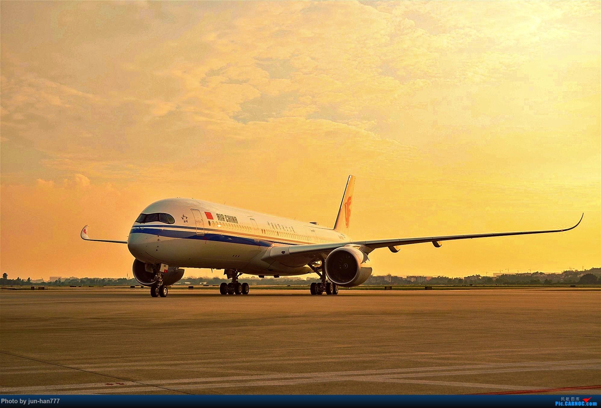 Re:[原创]在机坪接国航A350的广州首航 AIRBUS A350-900 B-1085