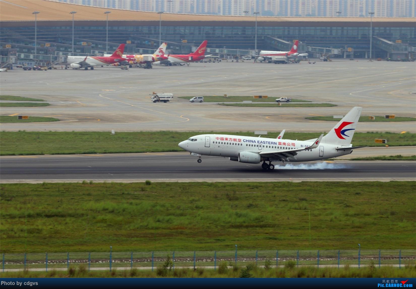 Re:[原创][原创]【KMG】擦烟一组 BOEING 737-700 B-5813 中国昆明长水国际机场