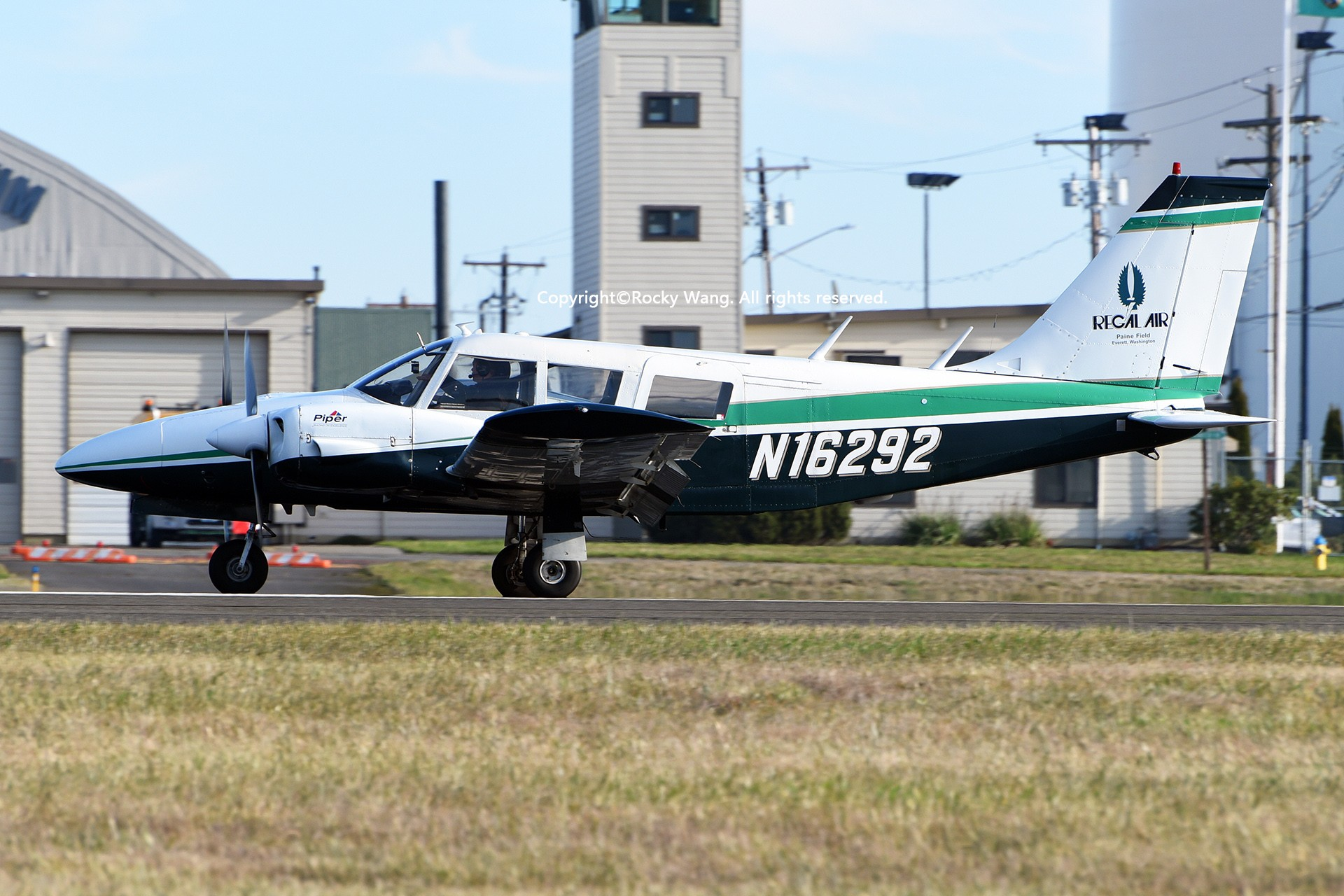 Re:[原创]Seattle 30图 PIPER PA-34-200 SENECA N16292 Snohomish County Airport/Paine Field