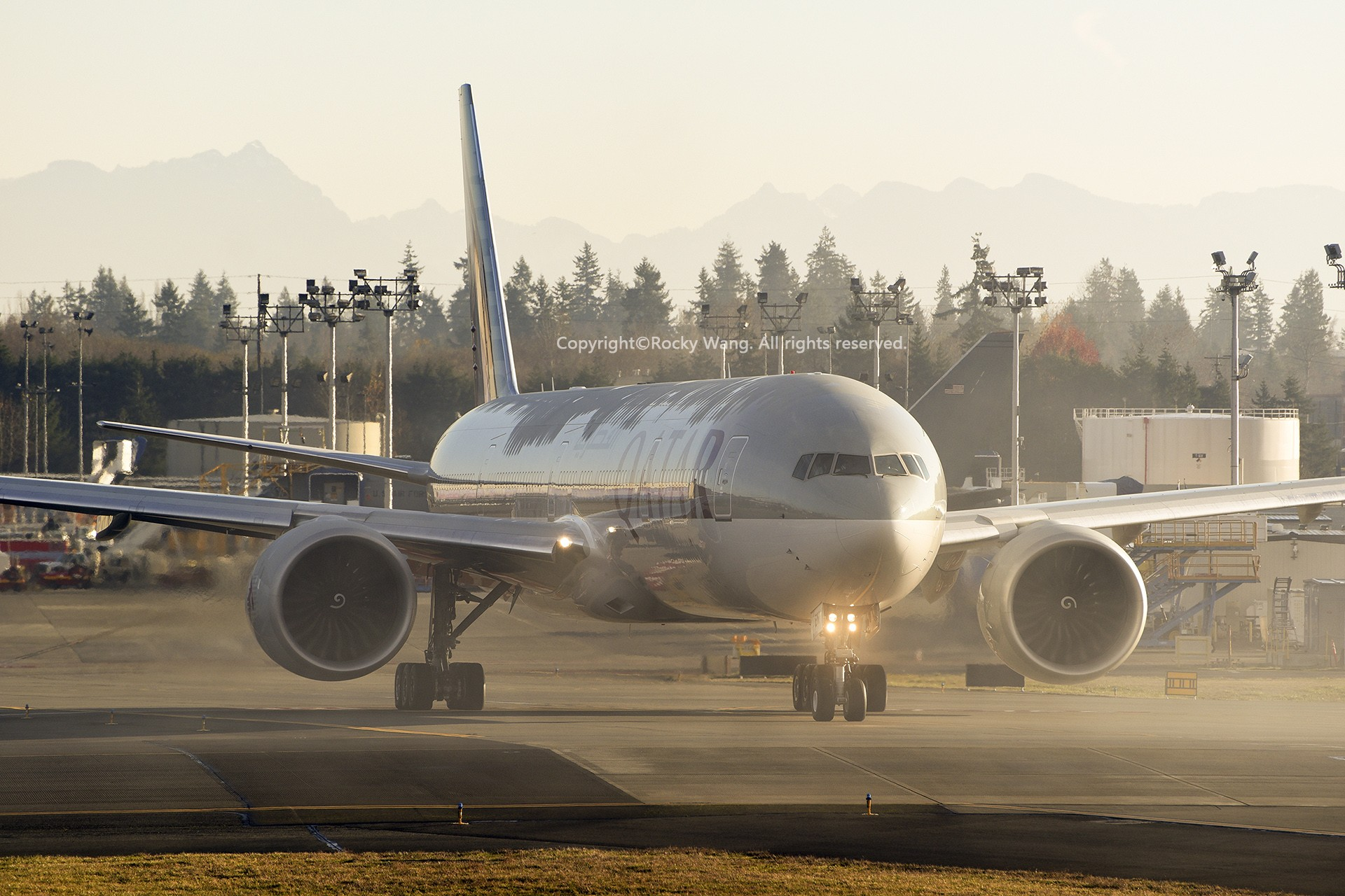 Re:[原创]Seattle 30图 BOEING 777-3DZER A7-BEM Snohomish County Airport/Paine Field