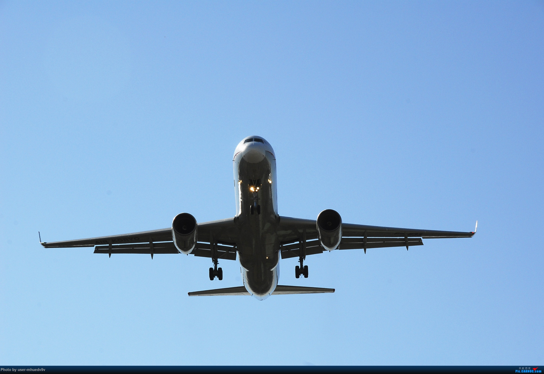 Re:[原创]十一难得北京妖天,萌新ZBAA拍机一组干货,大佬勿喷,马上月考更要放飞自我。。。 TUPOLEV TU-204 P-633 中国北京首都国际机场