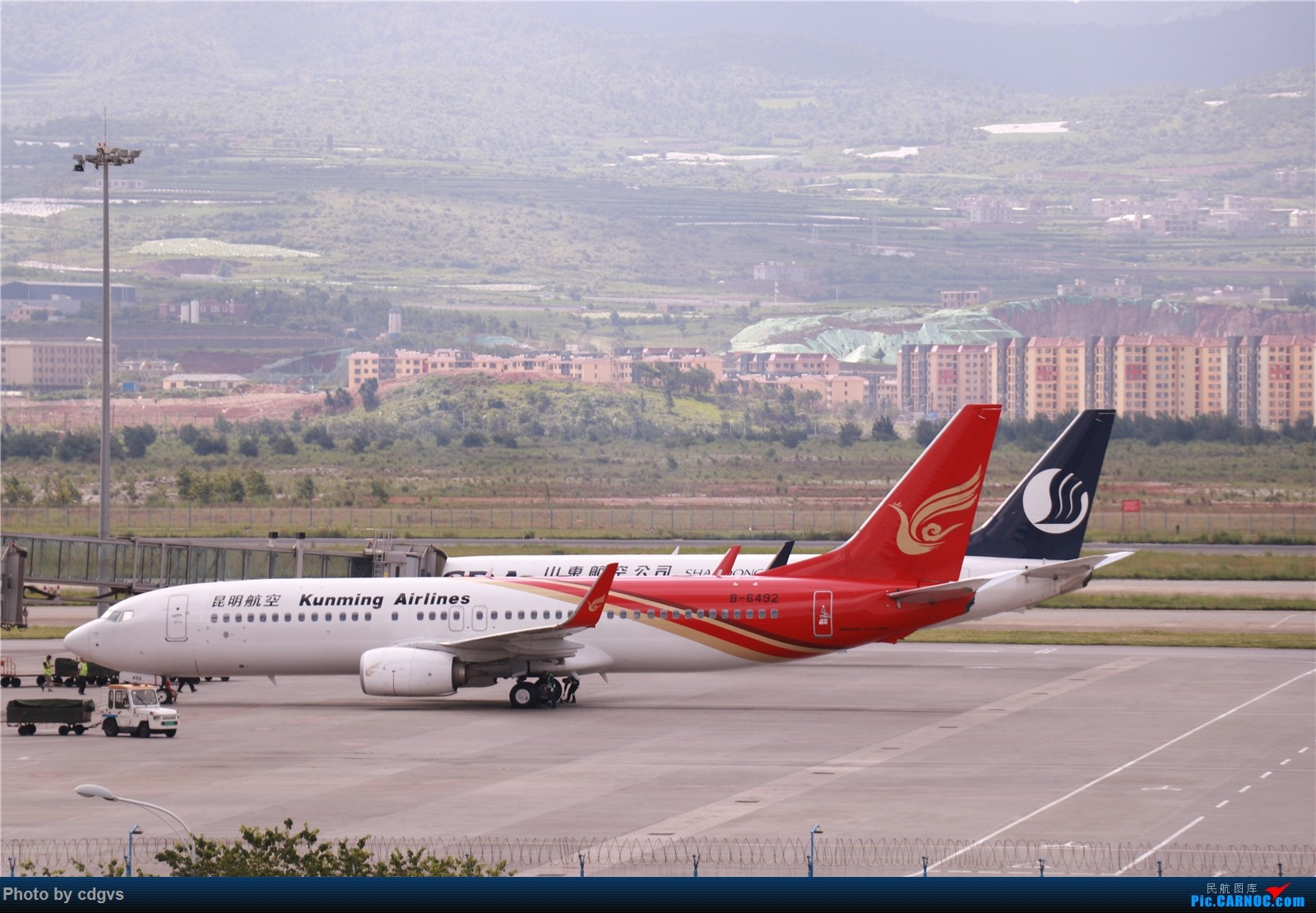 [原创]【KMG】挖挖库存,长水真是个窄体窝子…… BOEING 737-800 B-6492 中国昆明长水国际机场