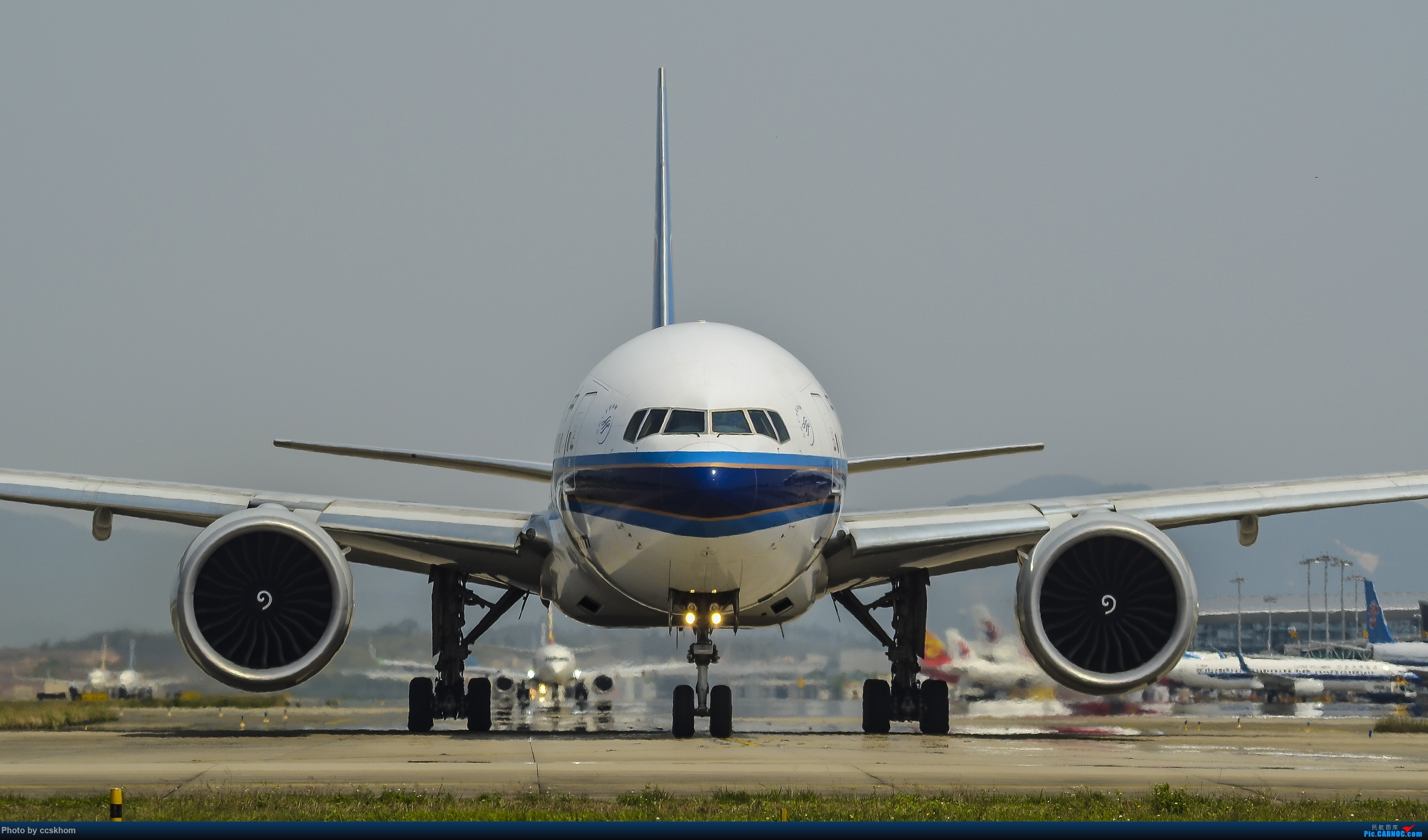 Re:[原创]三图秀之ZGGG T1J2位拍B777-300ER BOEING 777-300ER B-7588 中国广州白云国际机场