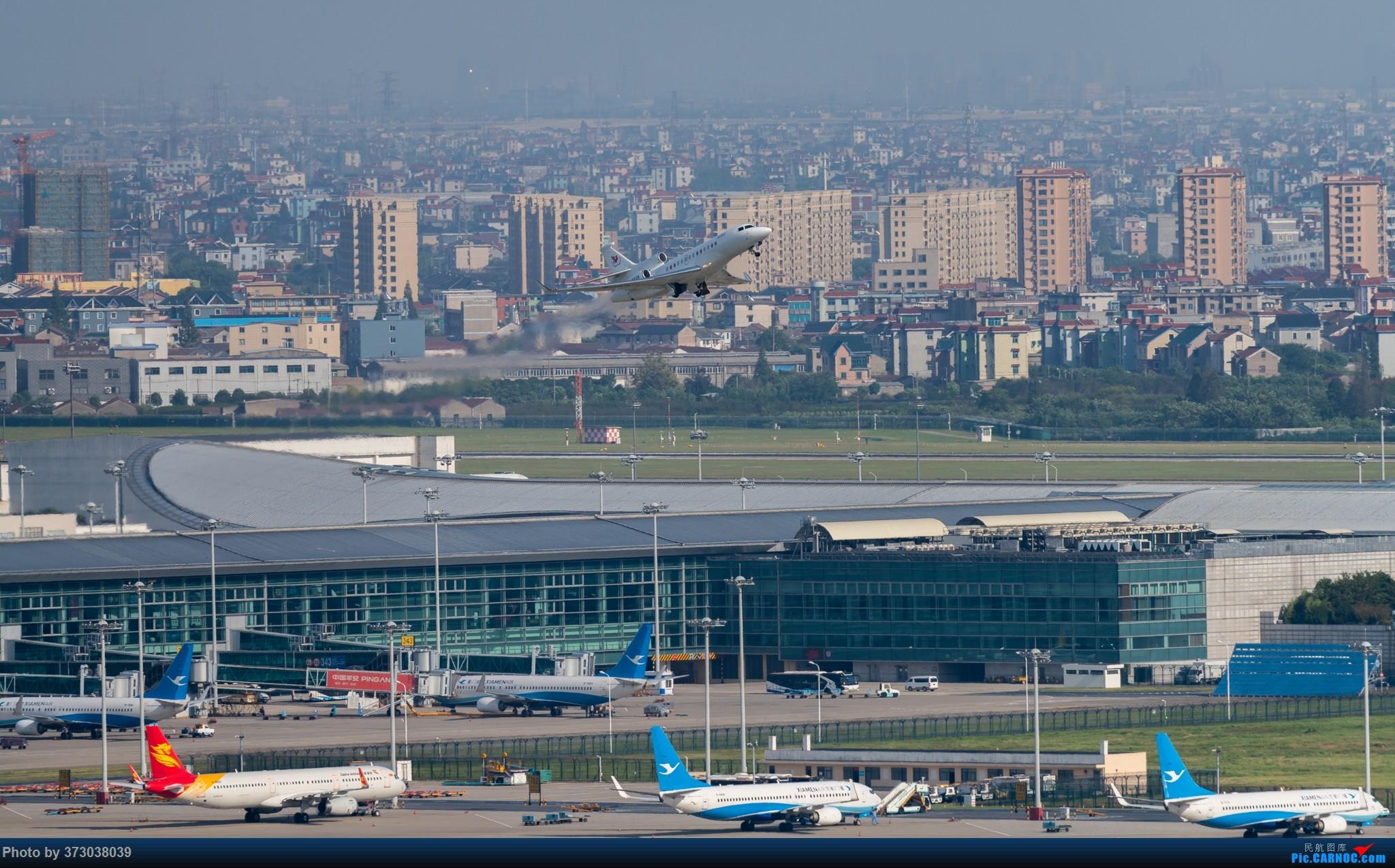Re:[原创]山顶动人,杭州萧山国际机场 红山观光视角 DASSAULT FALCON 7X B-8028 中国杭州萧山国际机场