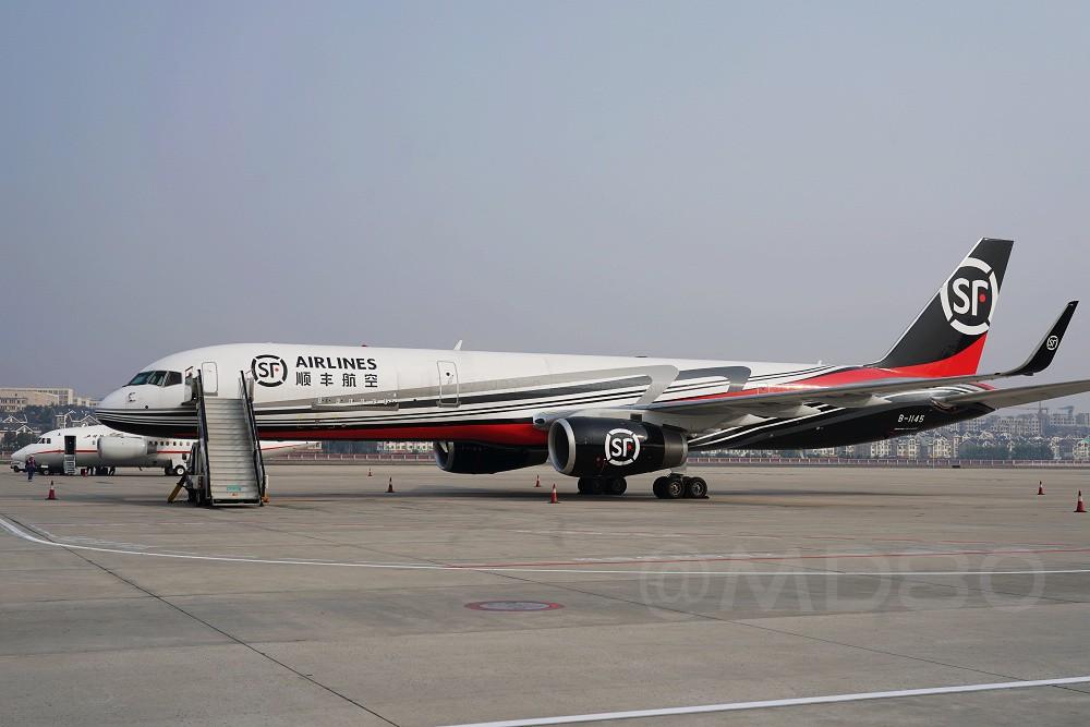 Re:[原创][DLC内场]带小翼的757 BOEING 757-200 B-1145 中国大连国际机场