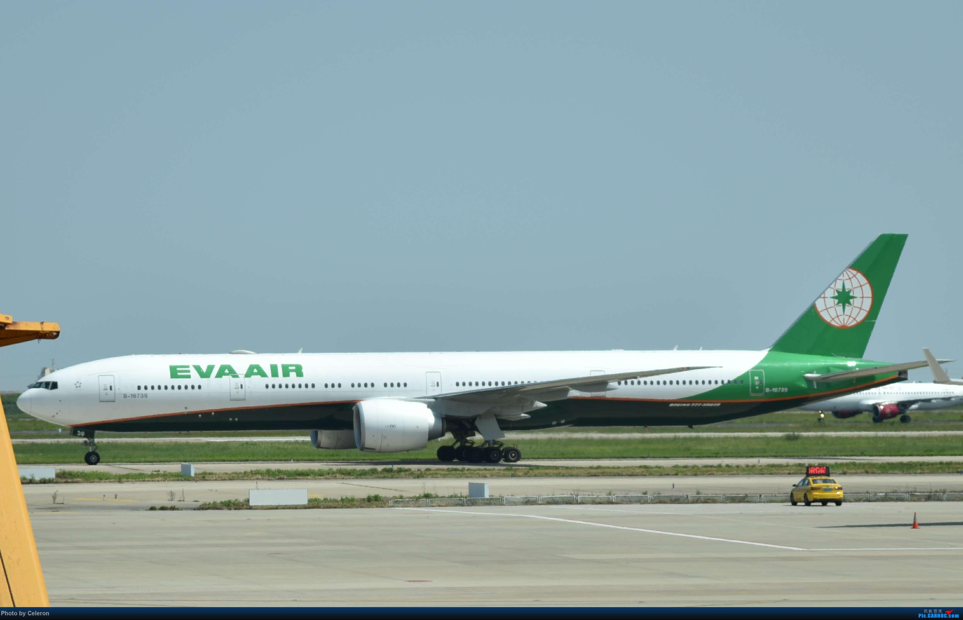 Re:中秋节上海之行返程PVG-XIY BOEING 777-300ER B-16739 中国上海浦东国际机场
