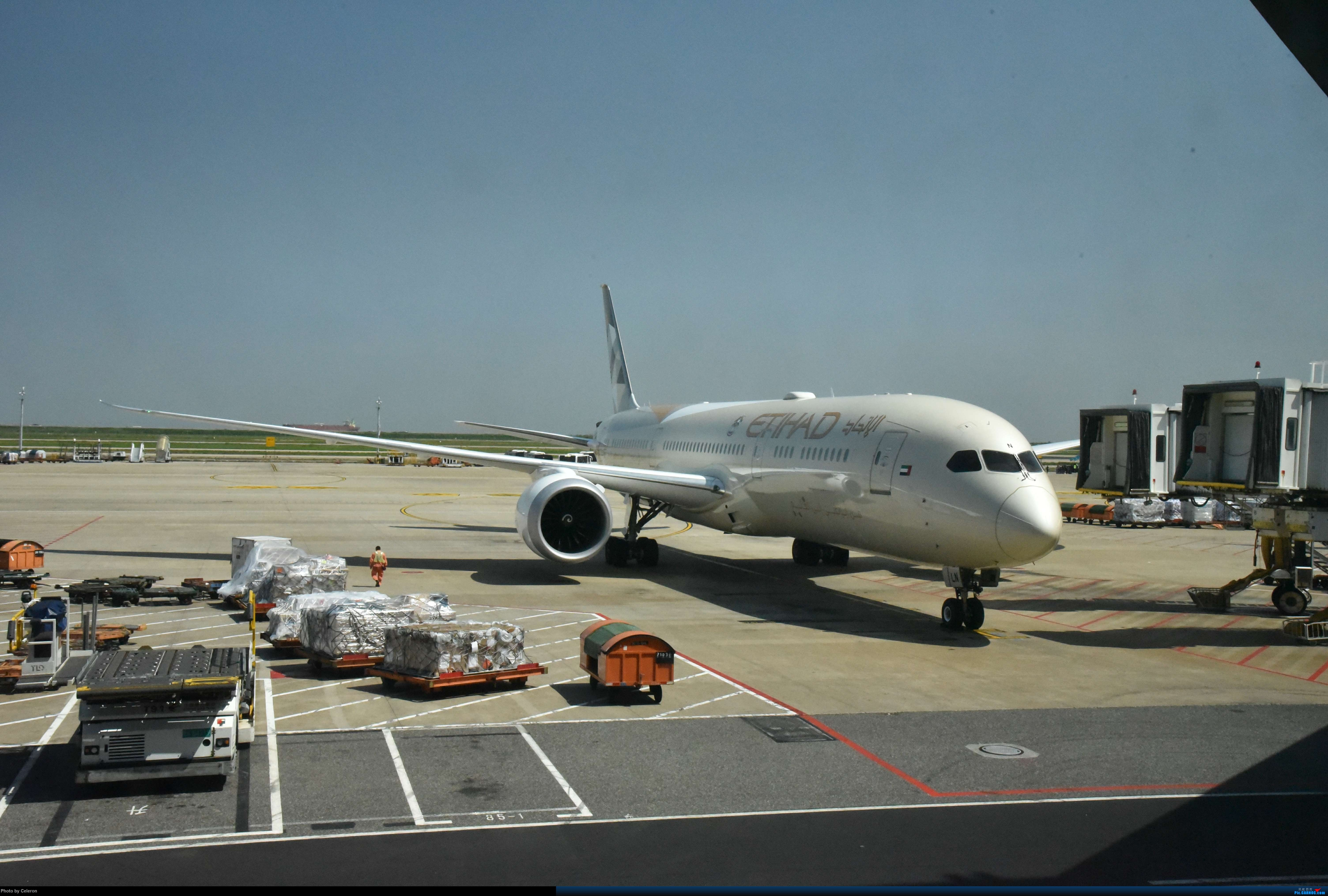 Re:[原创]中秋节上海之行返程PVG-XIY BOEING 787-9 A6-BLN 中国上海浦东国际机场