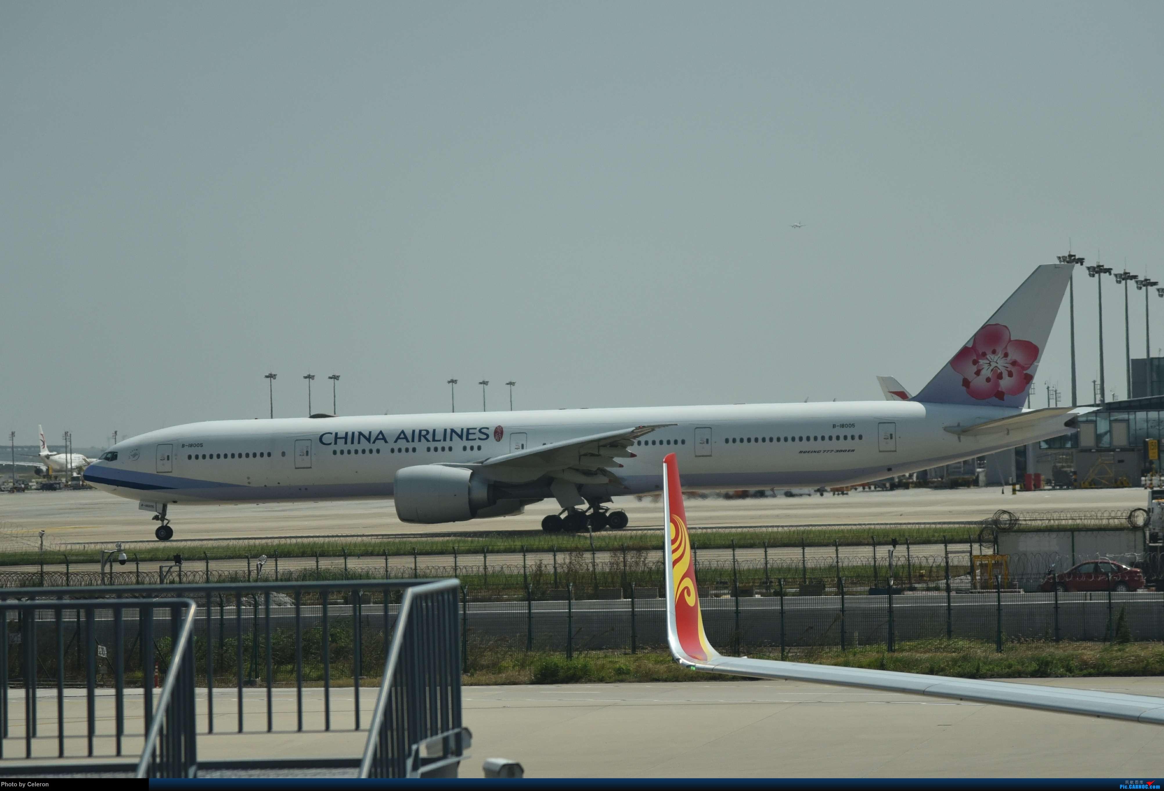 Re:中秋节上海之行返程PVG-XIY BOEING 777-300ER B-18005 中国上海浦东国际机场