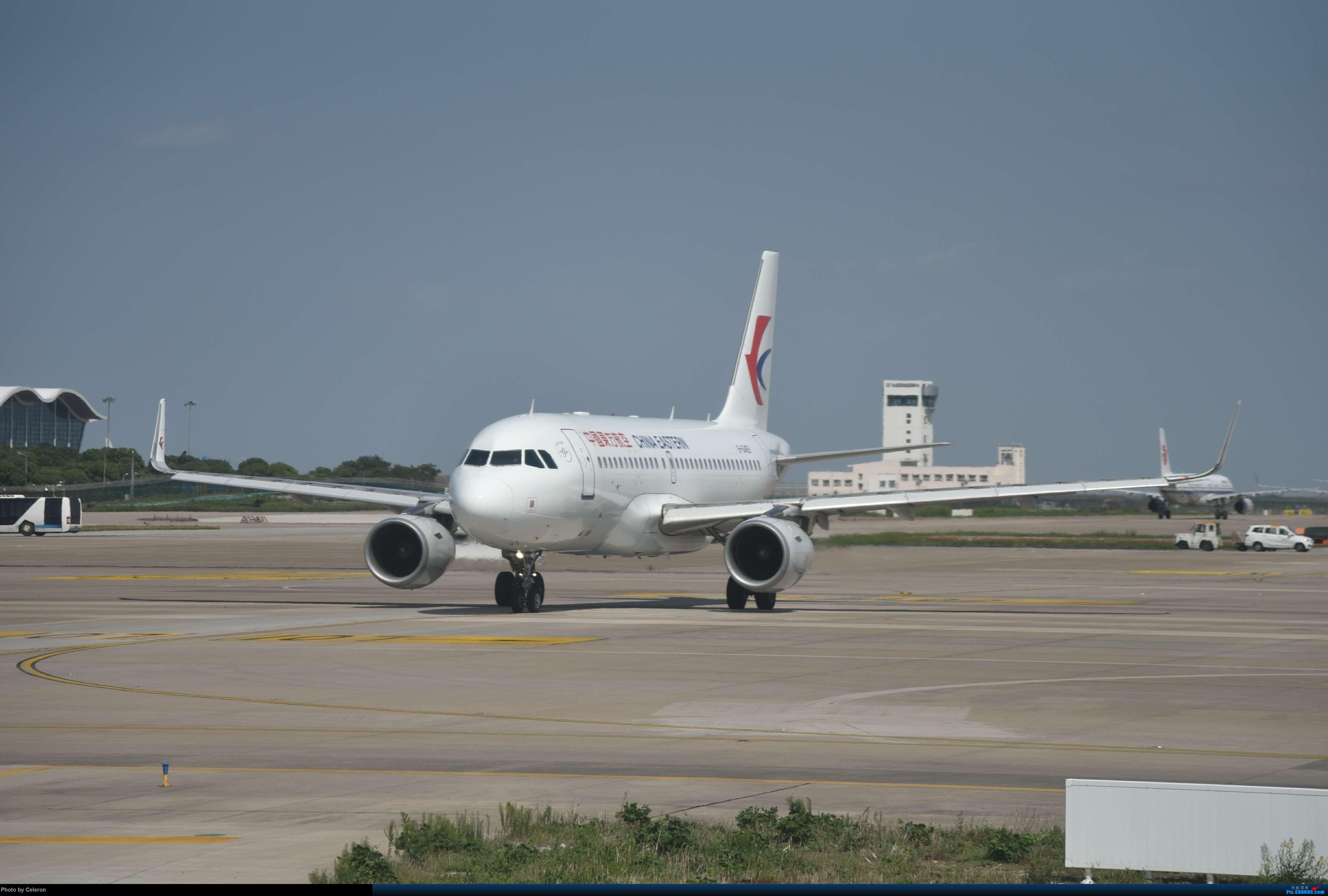 Re:[原创]中秋节上海之行返程PVG-XIY AIRBUS A319-100 B-6469 中国上海浦东国际机场