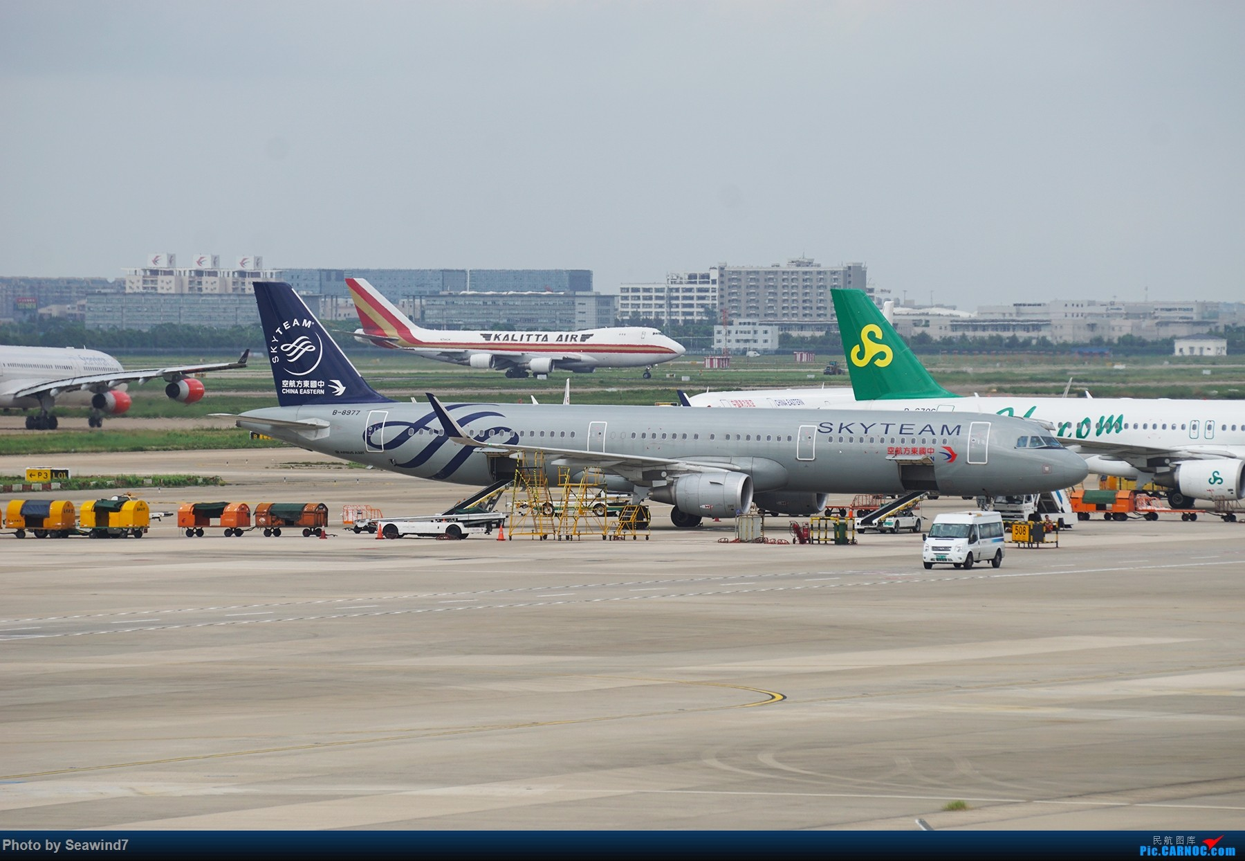 [原创]浦东拍机记 AIRBUS A321-200 B-8977 中国上海浦东国际机场