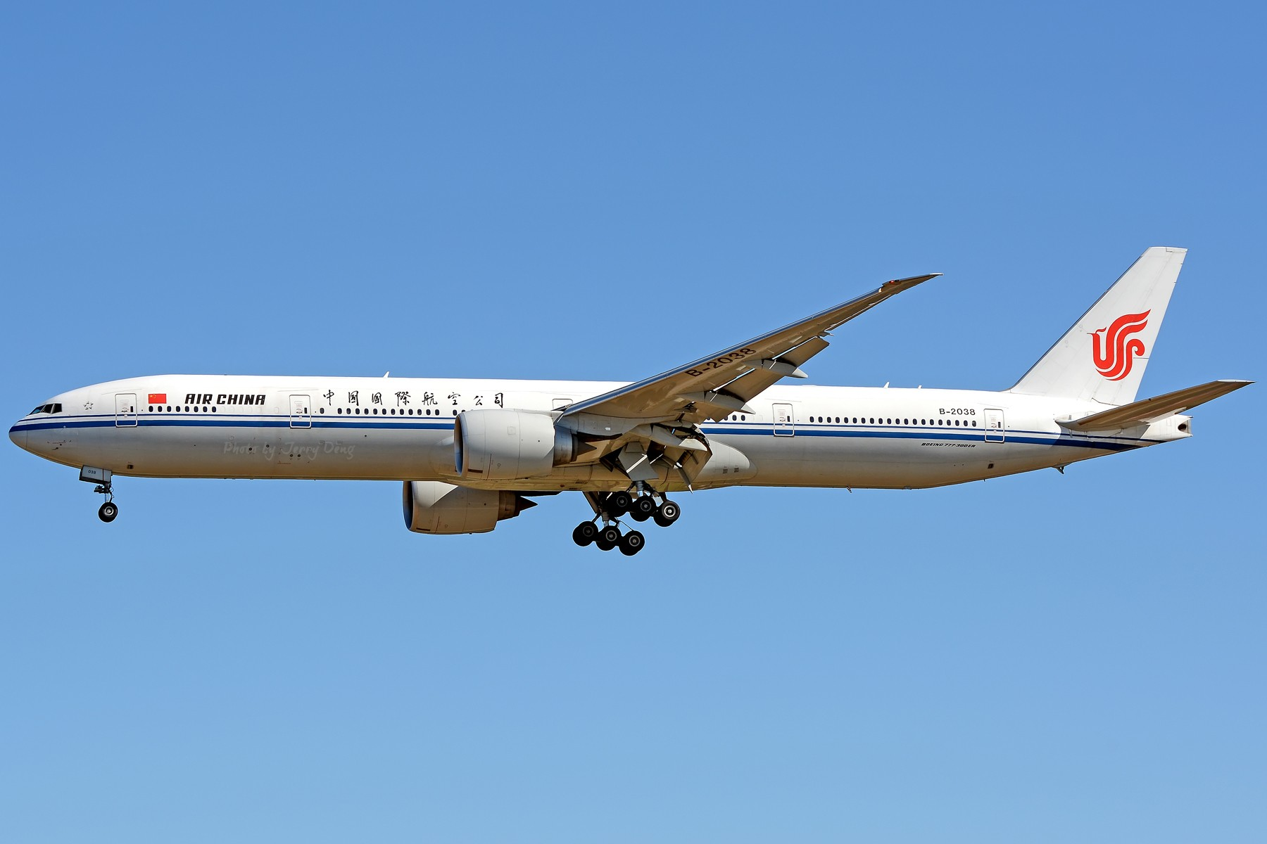 Re:[原创]【多图党】PEK落地一组国航系【2】 BOEING 777-300ER B-2038 中国北京首都国际机场