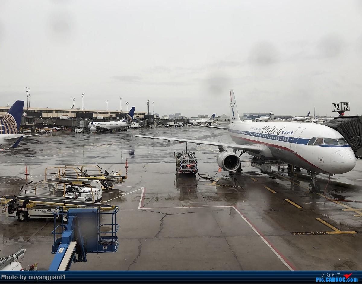 又是好久没来坛子了,发几篇2018年的飞行游记纪念一下吧....第一篇,环球飞行之旅:北京-纽瓦克-波哥大-麦德林-巴拿马城-墨西哥城-法兰克福-北京 AIRBUS A320-200 N475UA 美国纽瓦克机场