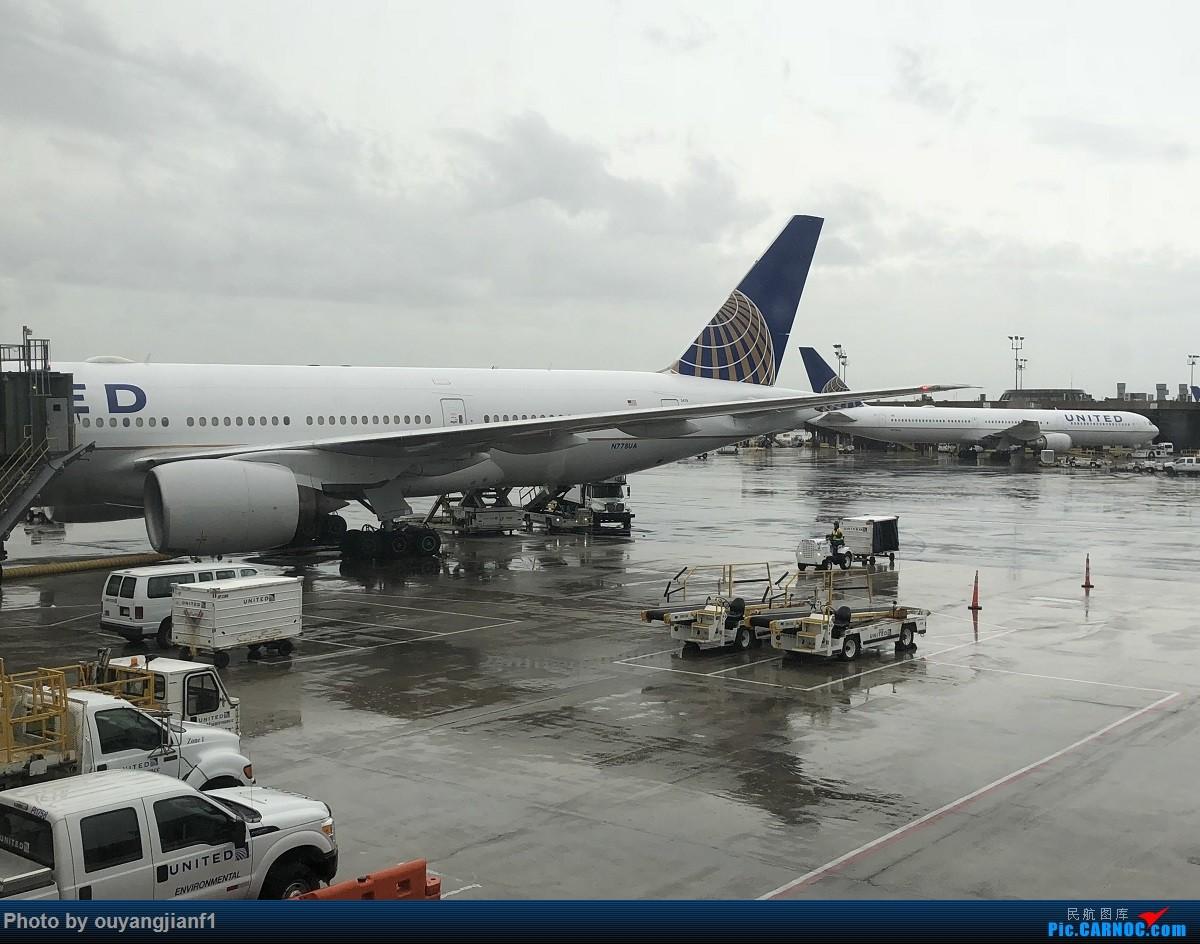 又是好久没来坛子了,发几篇2018年的飞行游记纪念一下吧....第一篇,环球飞行之旅:北京-纽瓦克-波哥大-麦德林-巴拿马城-墨西哥城-法兰克福-北京 BOEING 777-200ER N778UA 美国纽瓦克机场