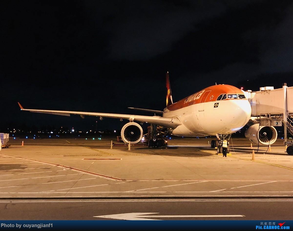 又是好久没来坛子了,发几篇2018年的飞行游记纪念一下吧....第一篇,环球飞行之旅:北京-纽瓦克-波哥大-麦德林-巴拿马城-墨西哥城-法兰克福-北京 AIRBUS A330-200  哥伦比亚波哥大埃尔多拉多国际机场