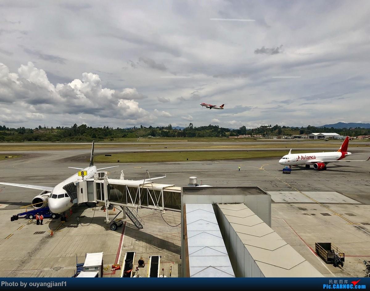 又是好久没来坛子了,发几篇2018年的飞行游记纪念一下吧....第一篇,环球飞行之旅:北京-纽瓦克-波哥大-麦德林-巴拿马城-墨西哥城-法兰克福-北京 AIRBUS A320-200 N724AV 哥伦比亚麦德林何塞·玛丽亚·科尔多瓦机场