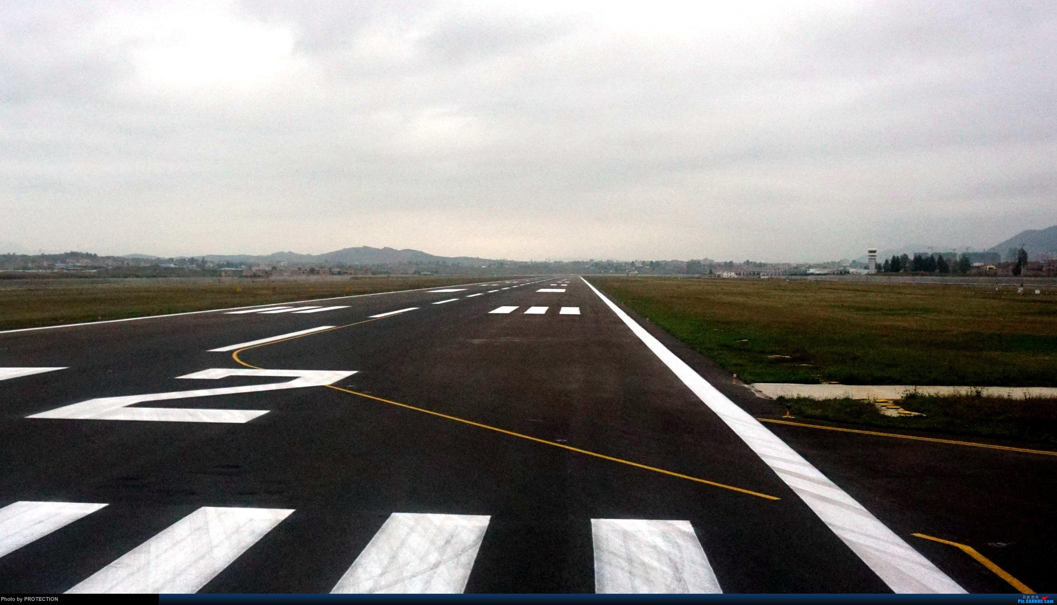 [原创]跑道 BOEING 737-700 B-5809 中国昭通机场