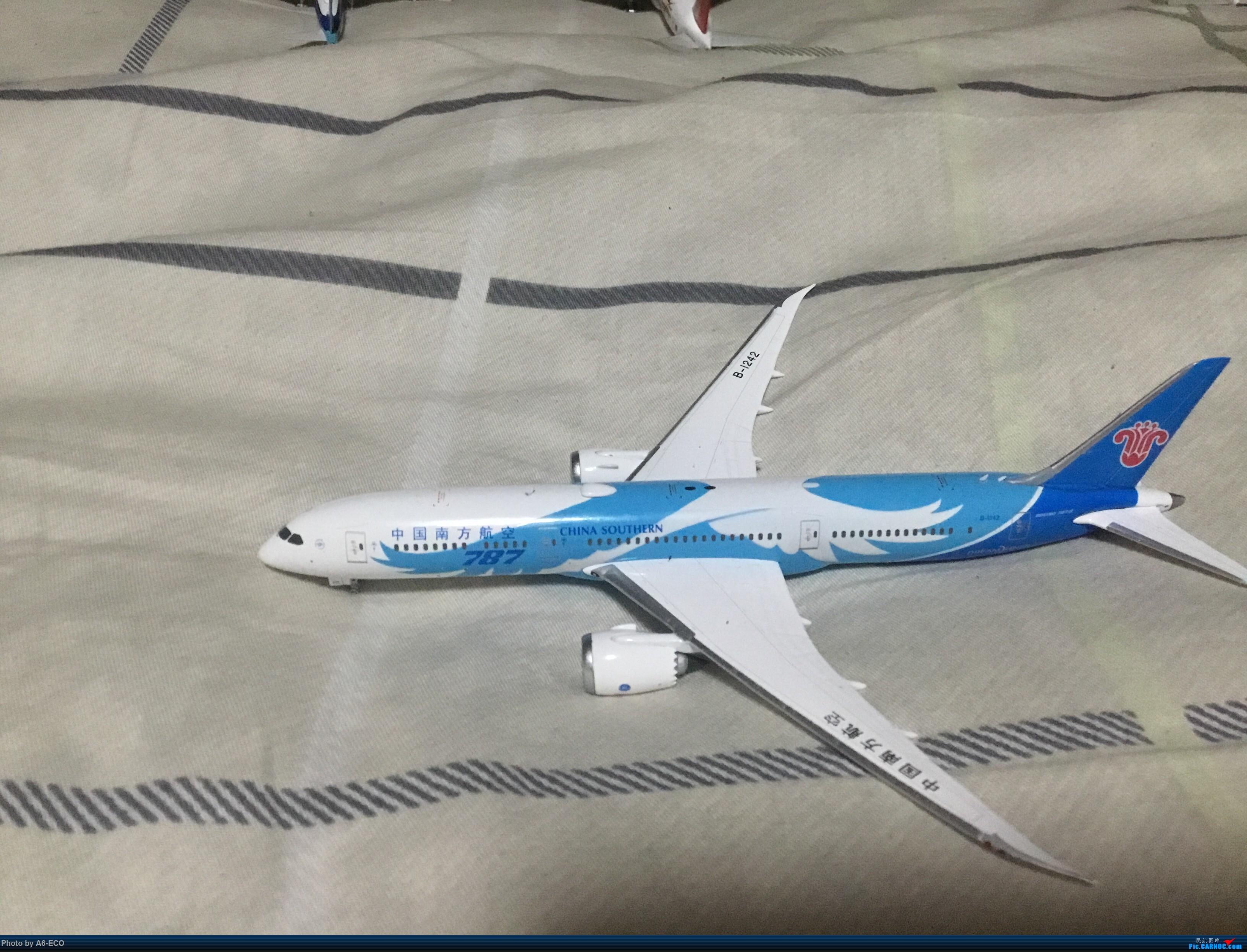 Re:[原创]没时间拍机,只好拍模型 BOEING 787-9 B-1242 日本东京羽田国际机场