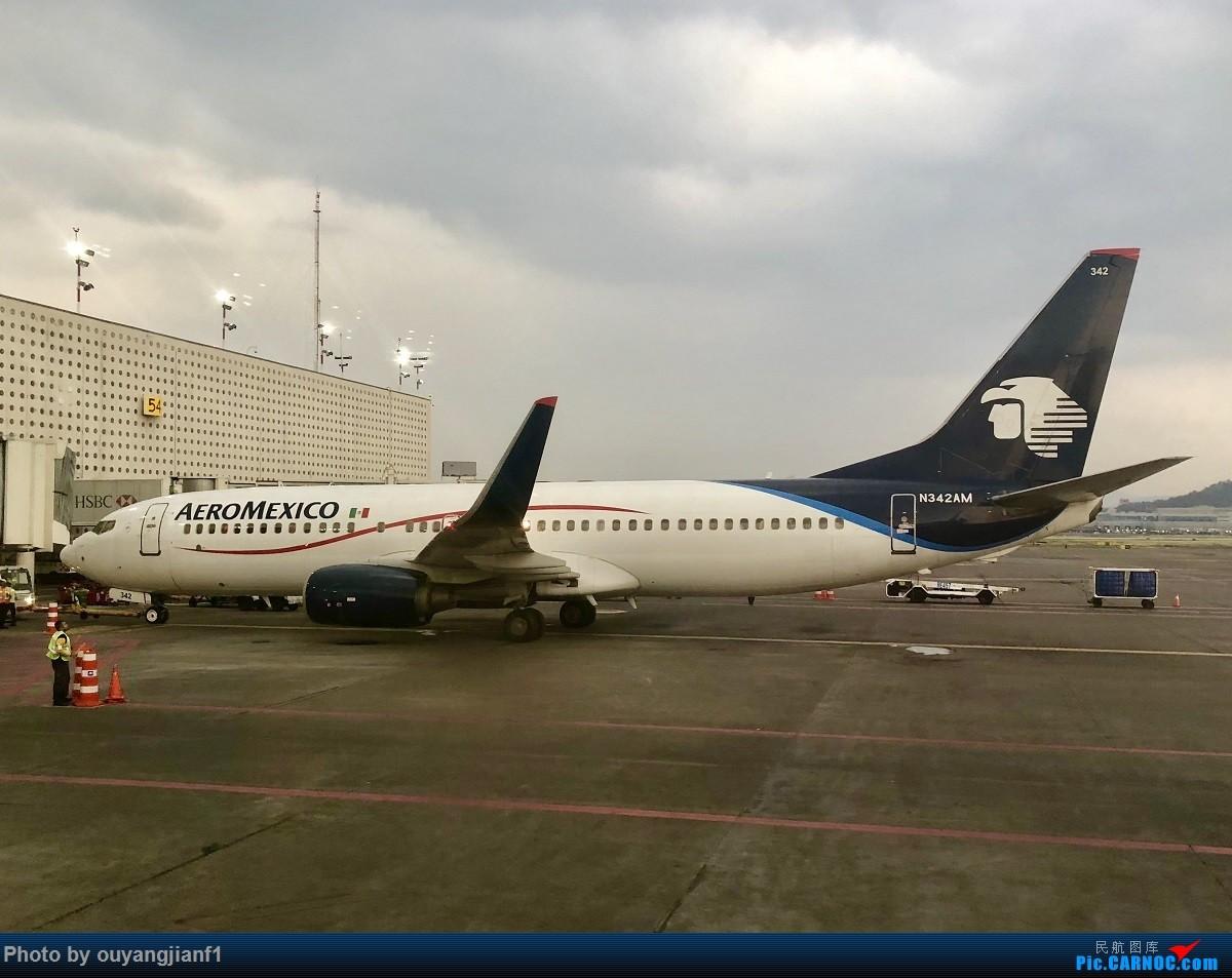 又是好久没来坛子了,发几篇2018年的飞行游记纪念一下吧....第一篇,环球飞行之旅:北京-纽瓦克-波哥大-麦德林-巴拿马城-墨西哥城-法兰克福-北京 BOEING 737-800 N342AM 墨西哥墨西哥城机场