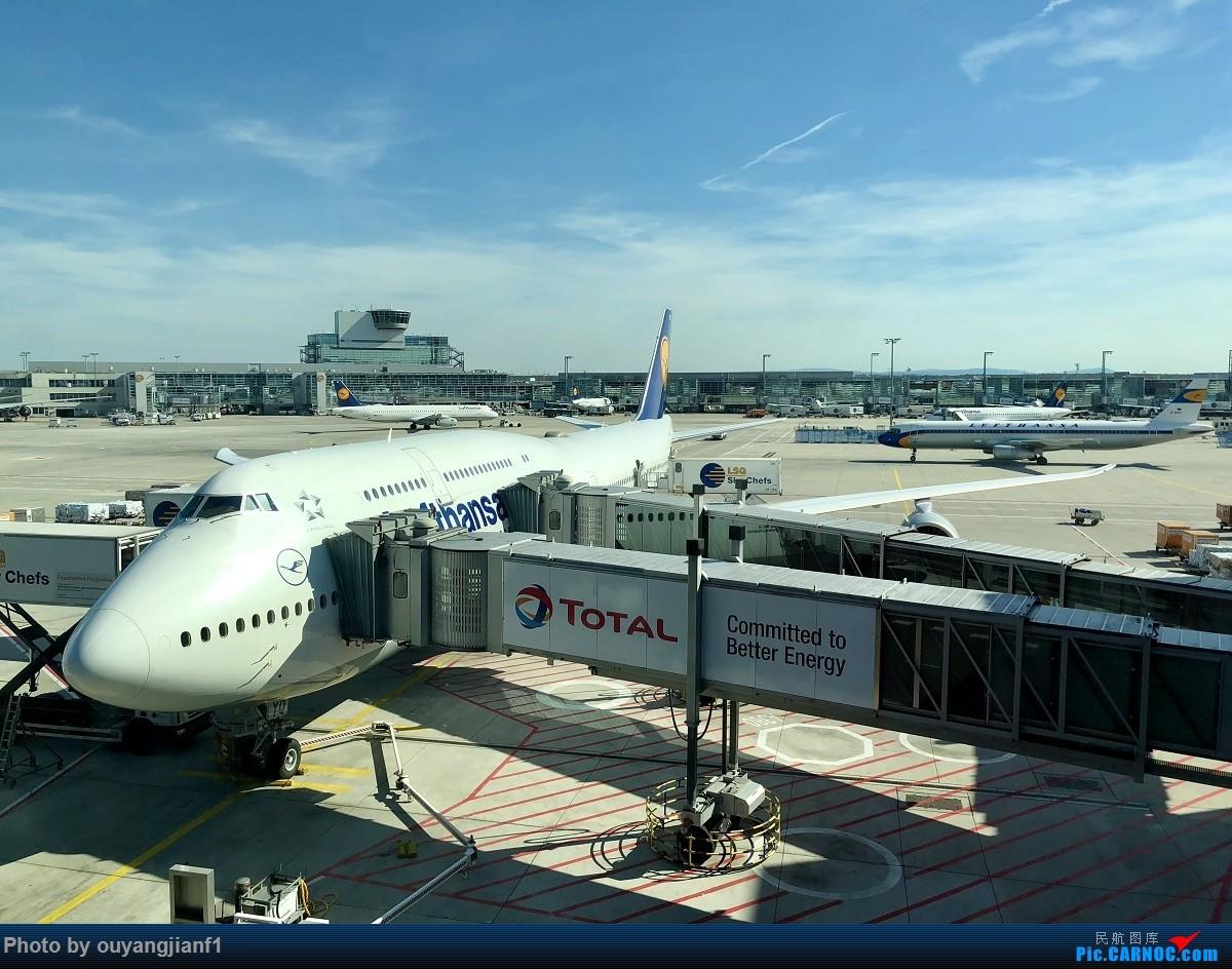 又是好久没来坛子了,发几篇2018年的飞行游记纪念一下吧....第一篇,环球飞行之旅:北京-纽瓦克-波哥大-麦德林-巴拿马城-墨西哥城-法兰克福-北京 BOEING 747-8I D-ABYQ 德国法兰克福机场