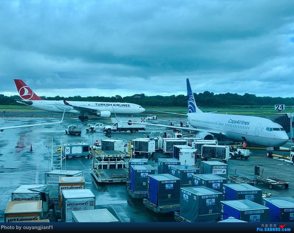 又是好久没来坛子了,发几篇2018年的飞行游记纪念一下吧....第一篇,环球飞行之旅:北京-纽瓦克-波哥大-麦德林-巴拿马城-墨西哥城-法兰克福-北京 AIRBUS A330-300  巴拿马巴拿马城托库门国际机场