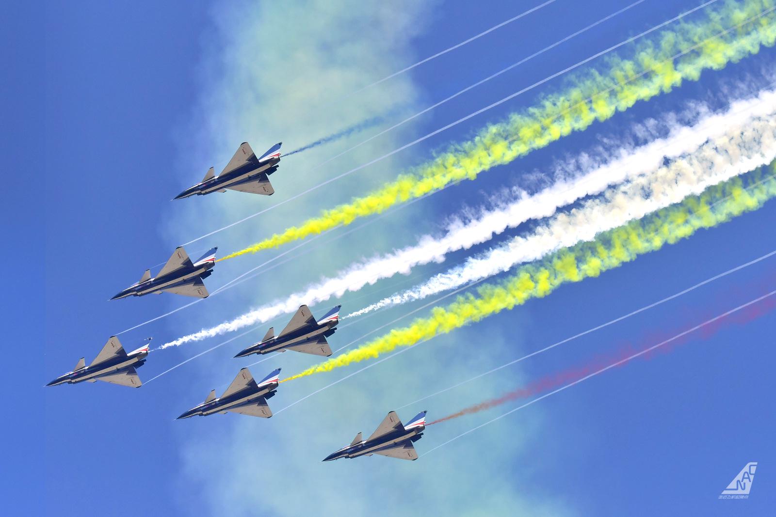 Re:[原创]走近飞机起降点(无尽创意) J-10  中国珠海金湾机场