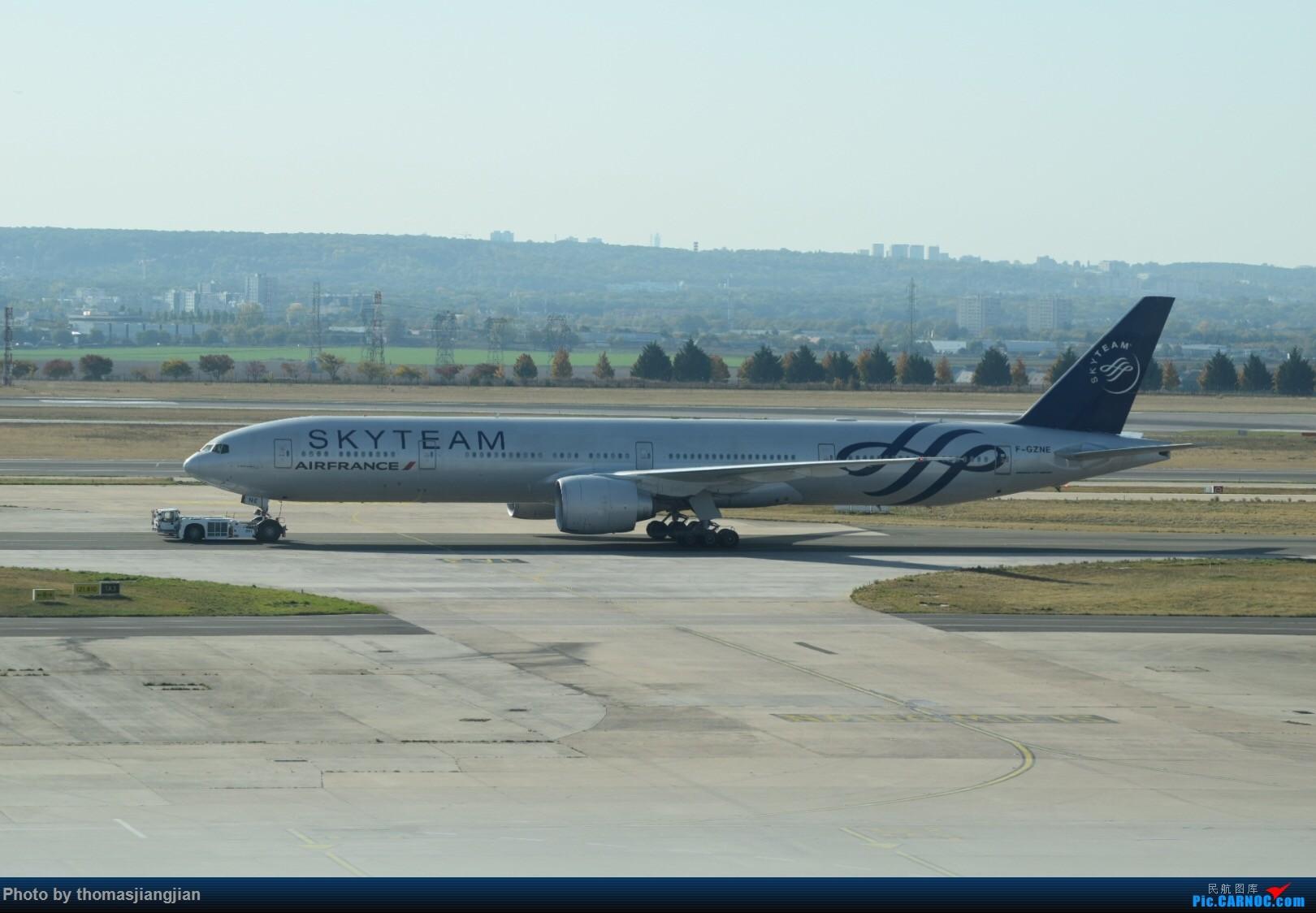Re:[原创]巴黎戴高乐机场喜来登拍机 BOEING 777