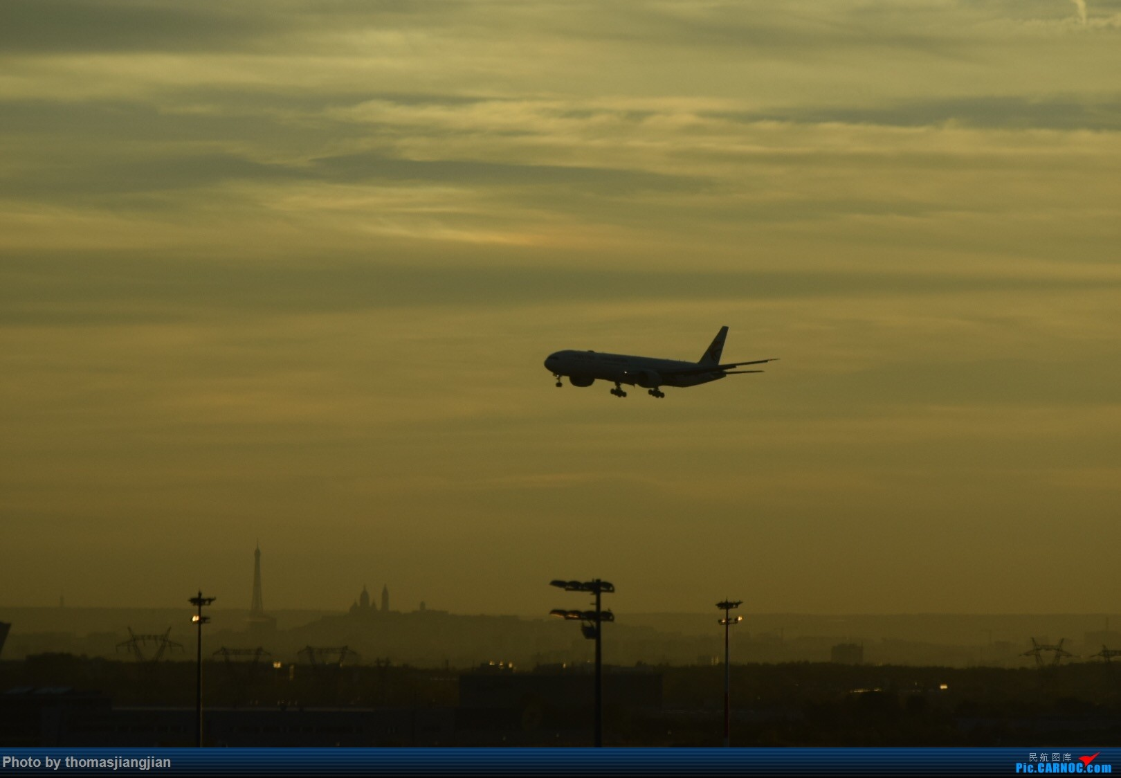 Re:[原创]巴黎戴高乐机场喜来登拍机 BOEING 777-300ER