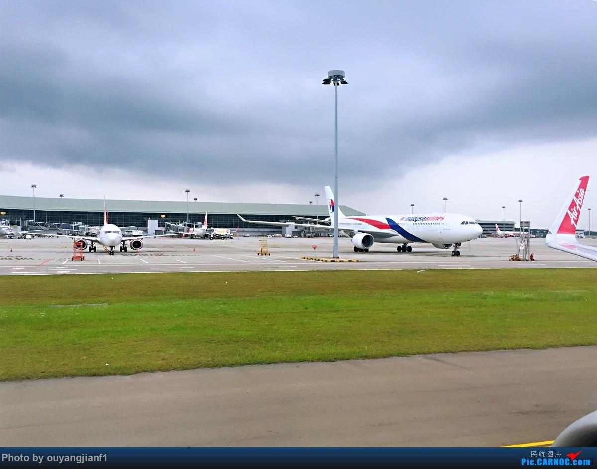 又是好久没来坛子了,发几篇2018年的飞行游记纪念一下吧...第二篇:北京-胡志明市-吉隆坡-雅加达-北京的东南亚之旅 AIRBUS A320-200 9M-AGV 马来西亚吉隆坡国际机场