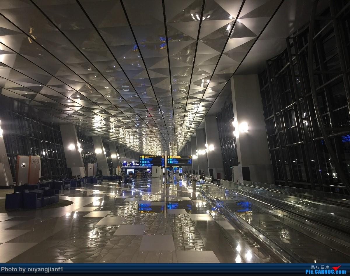 Re:[原创]又是好久没来坛子了,发几篇2018年的飞行游记纪念一下吧...第二篇:北京-胡志明市-吉隆坡-雅加达-北京的东南亚之旅    印度尼西亚雅加达苏加诺-哈达国际机场