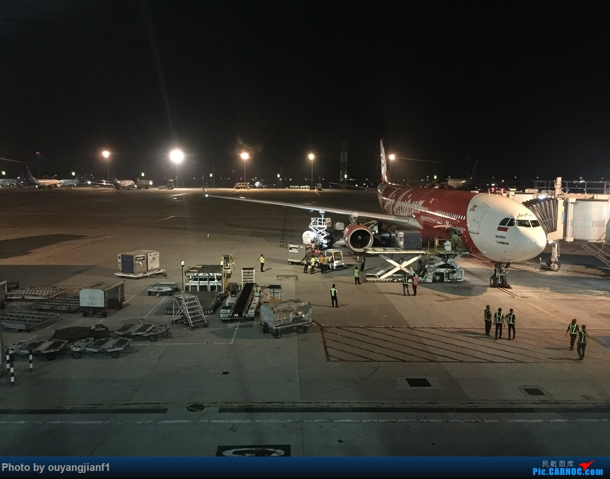 又是好久没来坛子了,发几篇2018年的飞行游记纪念一下吧...第二篇:北京-胡志明市-吉隆坡-雅加达-北京的东南亚之旅 AIRBUS A330-300  印度尼西亚雅加达苏加诺-哈达国际机场