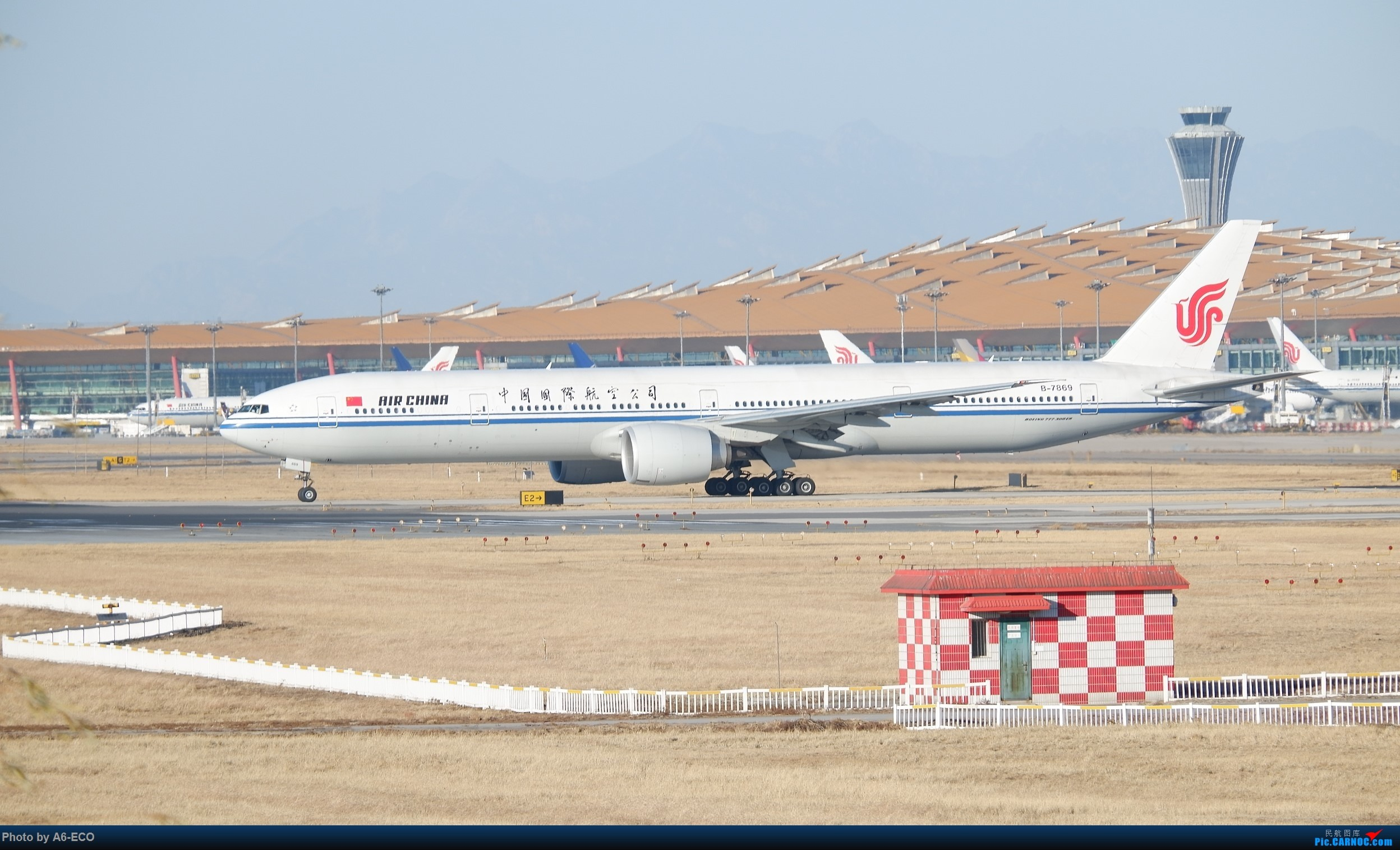 Re:[原创]【Siriの拍机】换镜头,文末有彩蛋! BOEING 777-300ER B-7869 中国北京首都国际机场