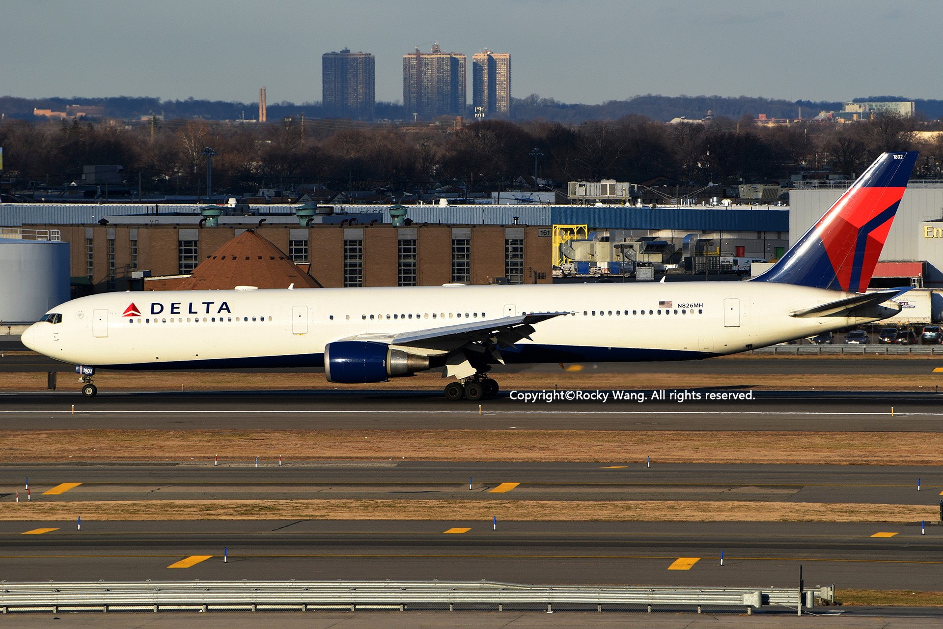 Re:[原创]KJFK 30图 BOEING 767-432(ER) N826MH New York John F. Kennedy Int'l Airport