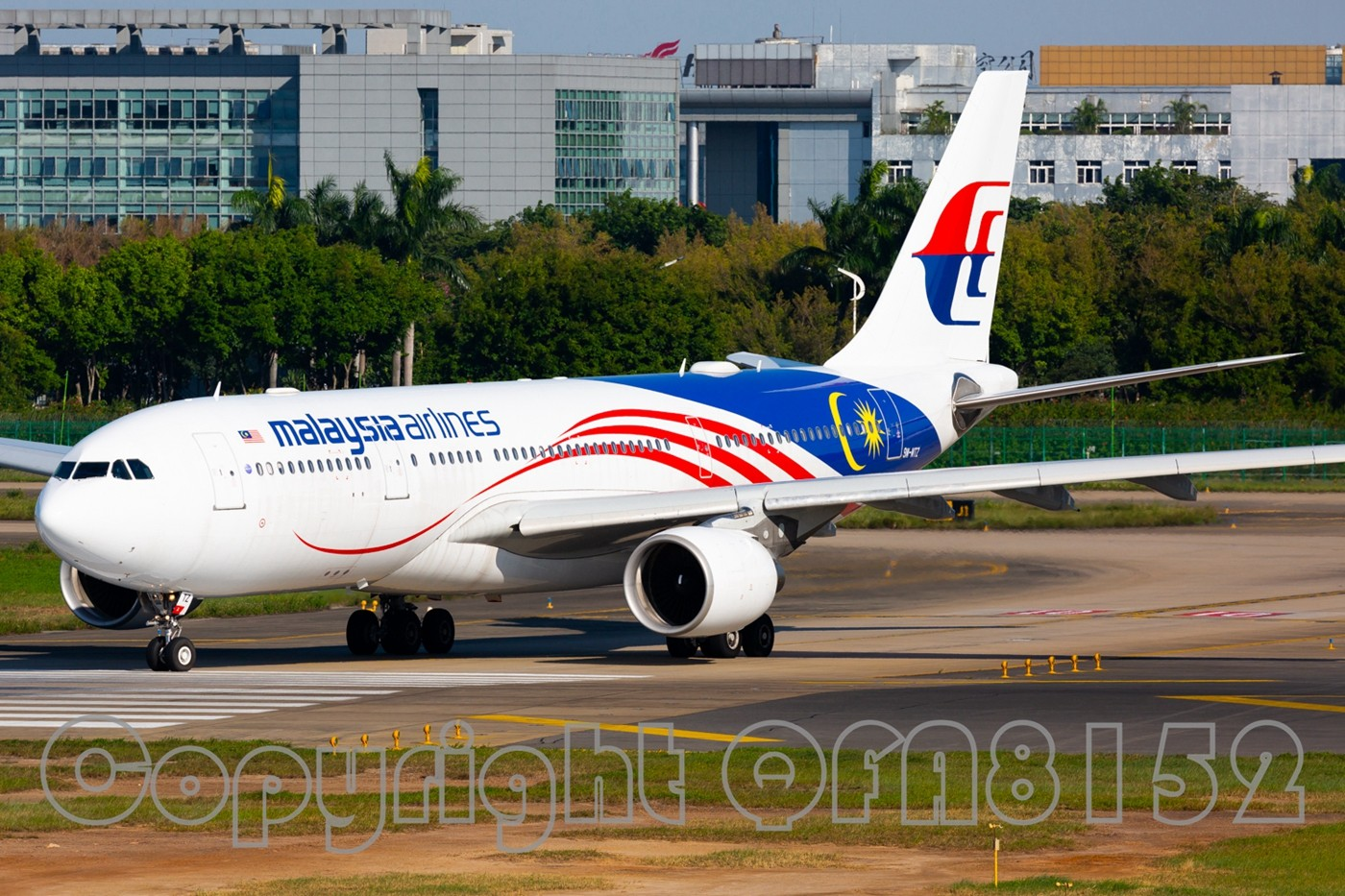 Re:[原创]现在发图好像有钱拿了? AIRBUS A320-200 9M-MTZ 中国广州白云国际机场