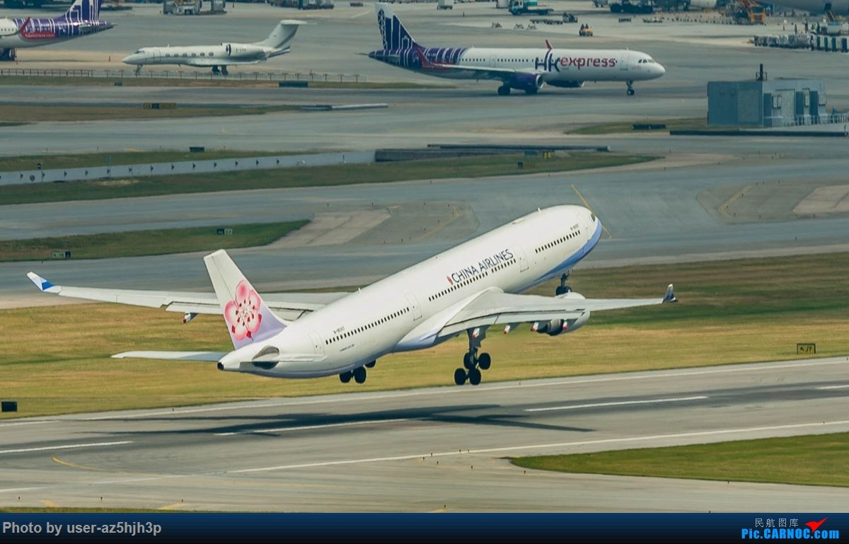 Re:告别2018 拥抱2019 祝飞友们新年快乐 AIRBUS A330-300 B-18303 香港国际机场