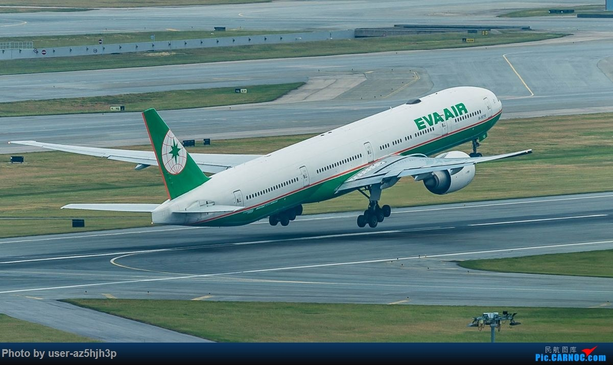 Re:[原创]告别2018 拥抱2019 祝飞友们新年快乐 BOEING 777-300ER B-16718 香港国际机场