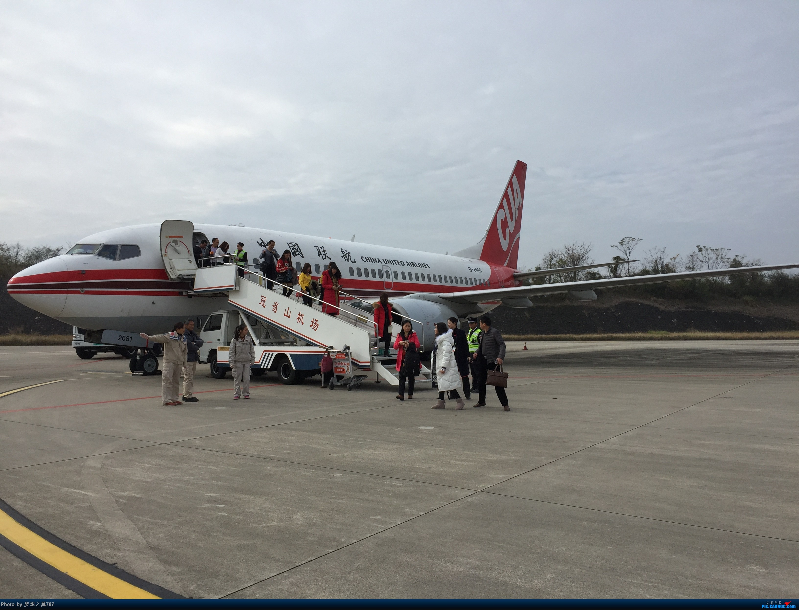Re:[原创]中国联合航空 佛山-连城 往返 BOEING 737-700 B-2681 中国福建龙岩冠豸山机场