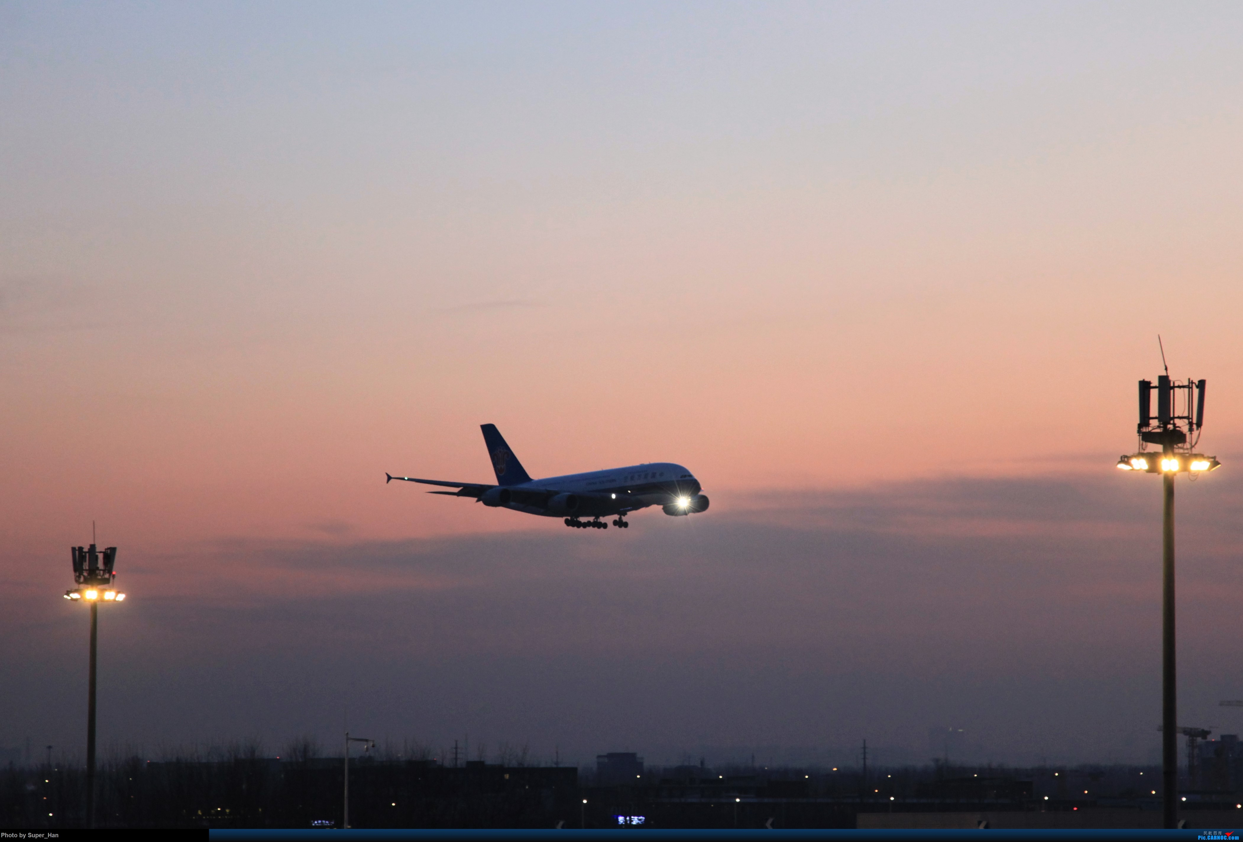 Re:[原创]1月17日PEK AIRBUS A380 B-6137 中国北京首都国际机场