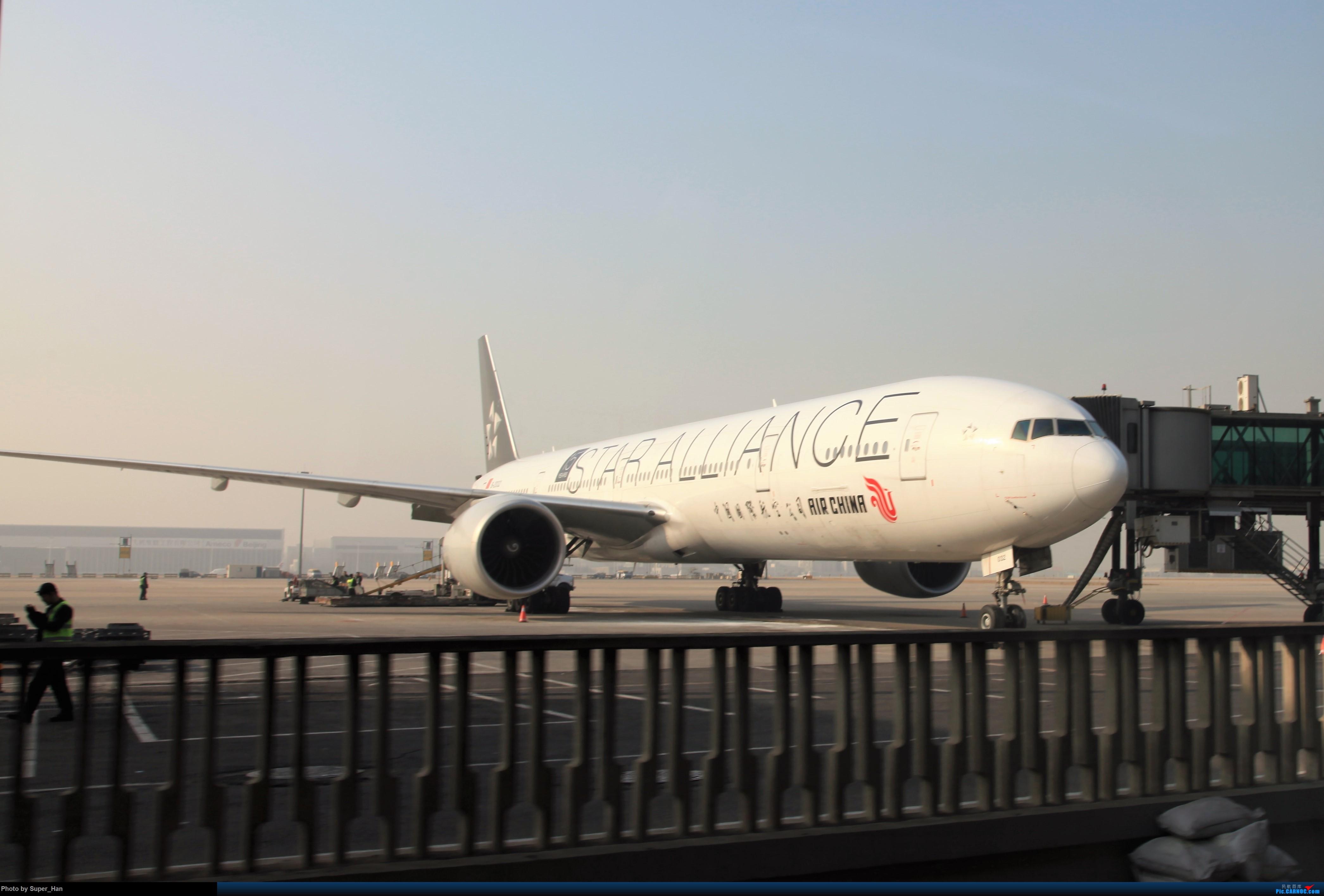 Re:[原创]2019虹桥出发飞北京第一拍 BOEING 777-300ER B-2032 中国北京首都国际机场